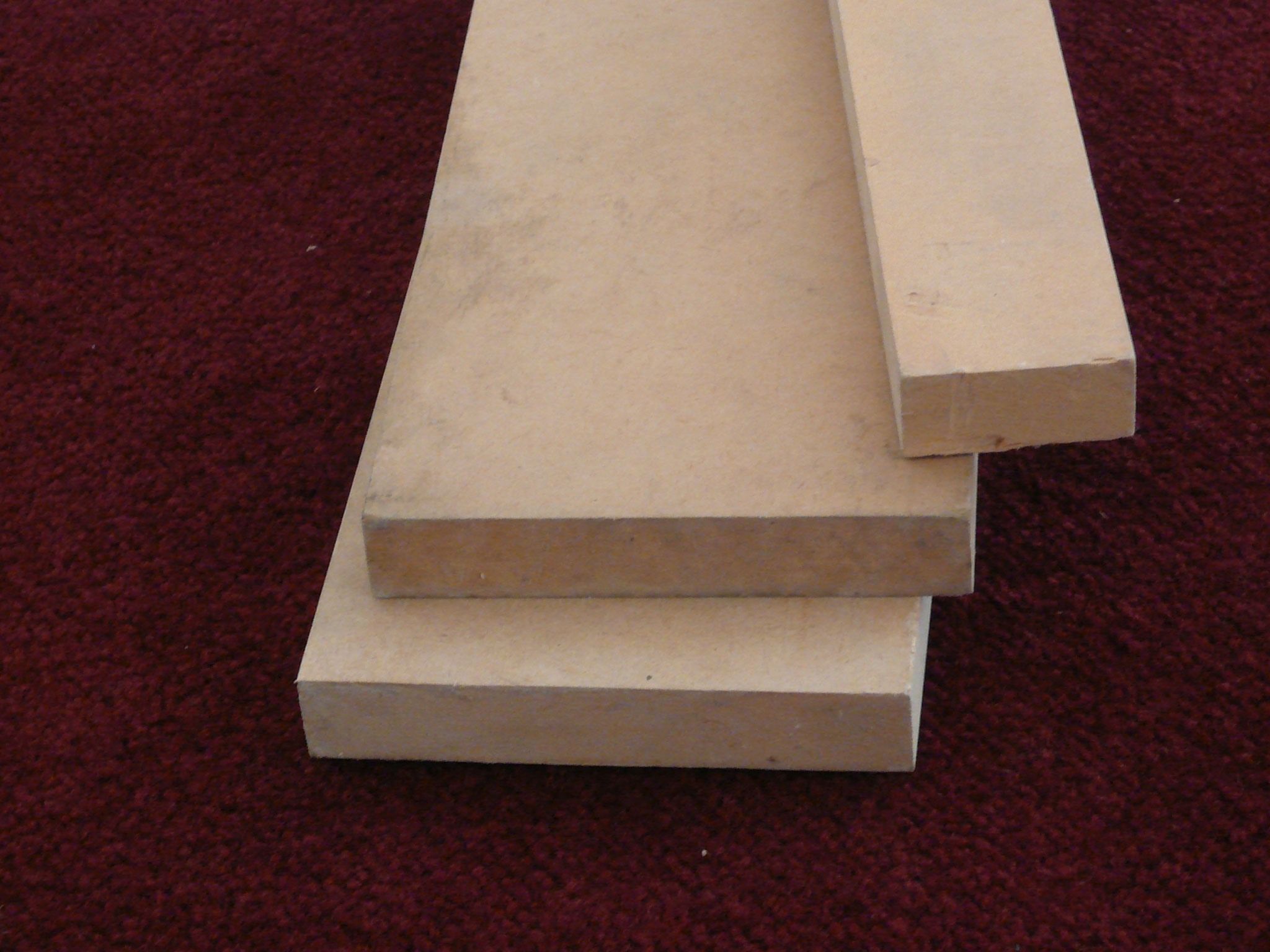 MDF  by: Vaderluck, CC BY-SA 3.0
