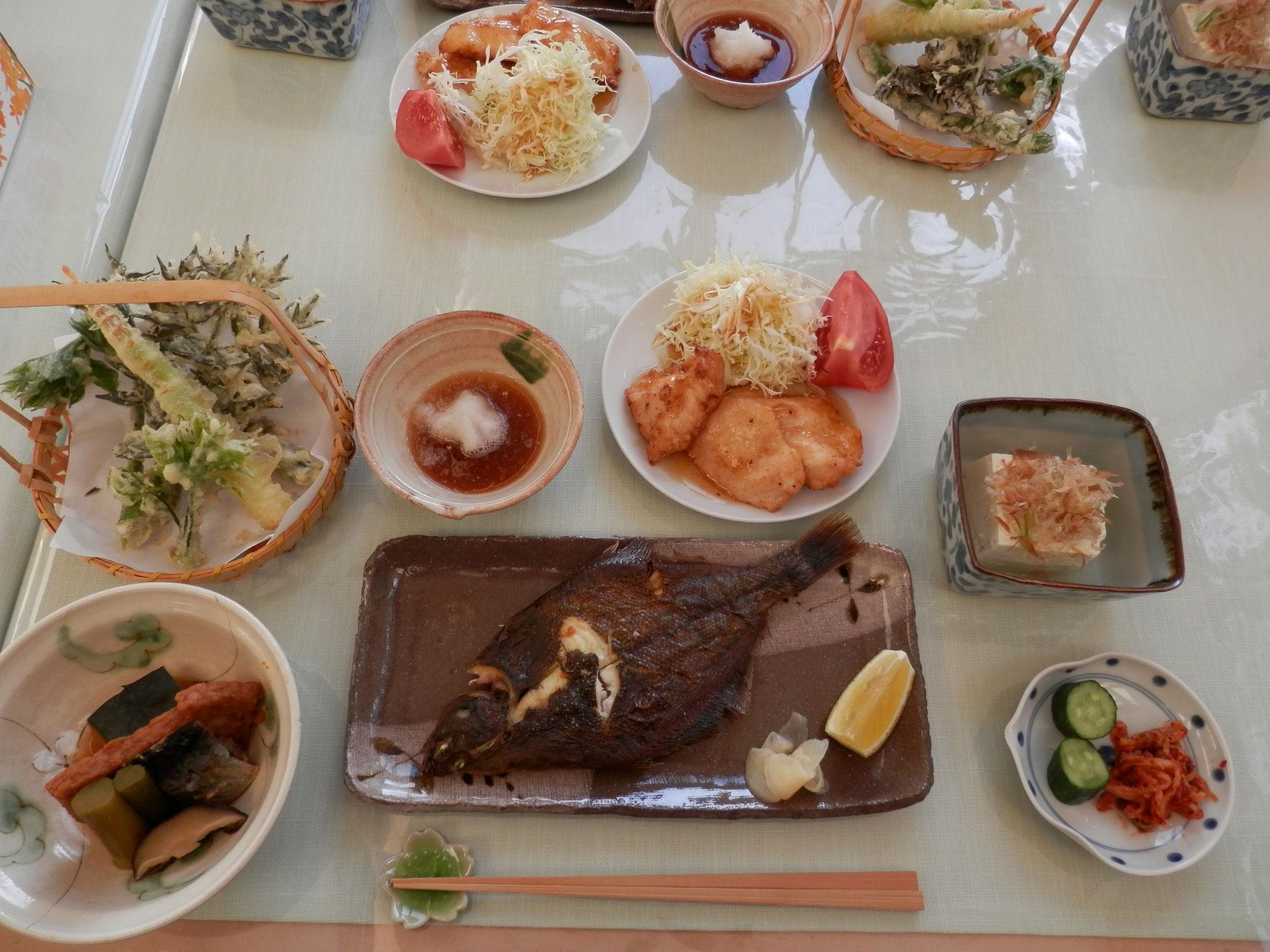 (夏)採れたて竹の子の天ぷら、うどと鰊の炊き合わせ、地鶏の南蛮漬け、近海焼き鰈