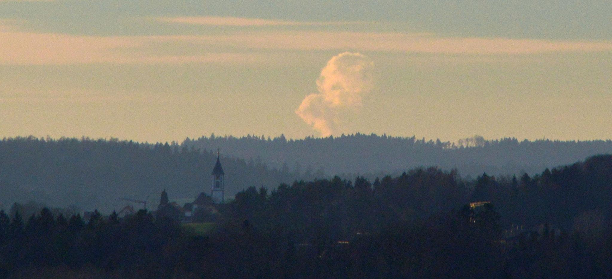 falsch geraten: diesmal ist es die Dampfsäule des KKW Leibstadt
