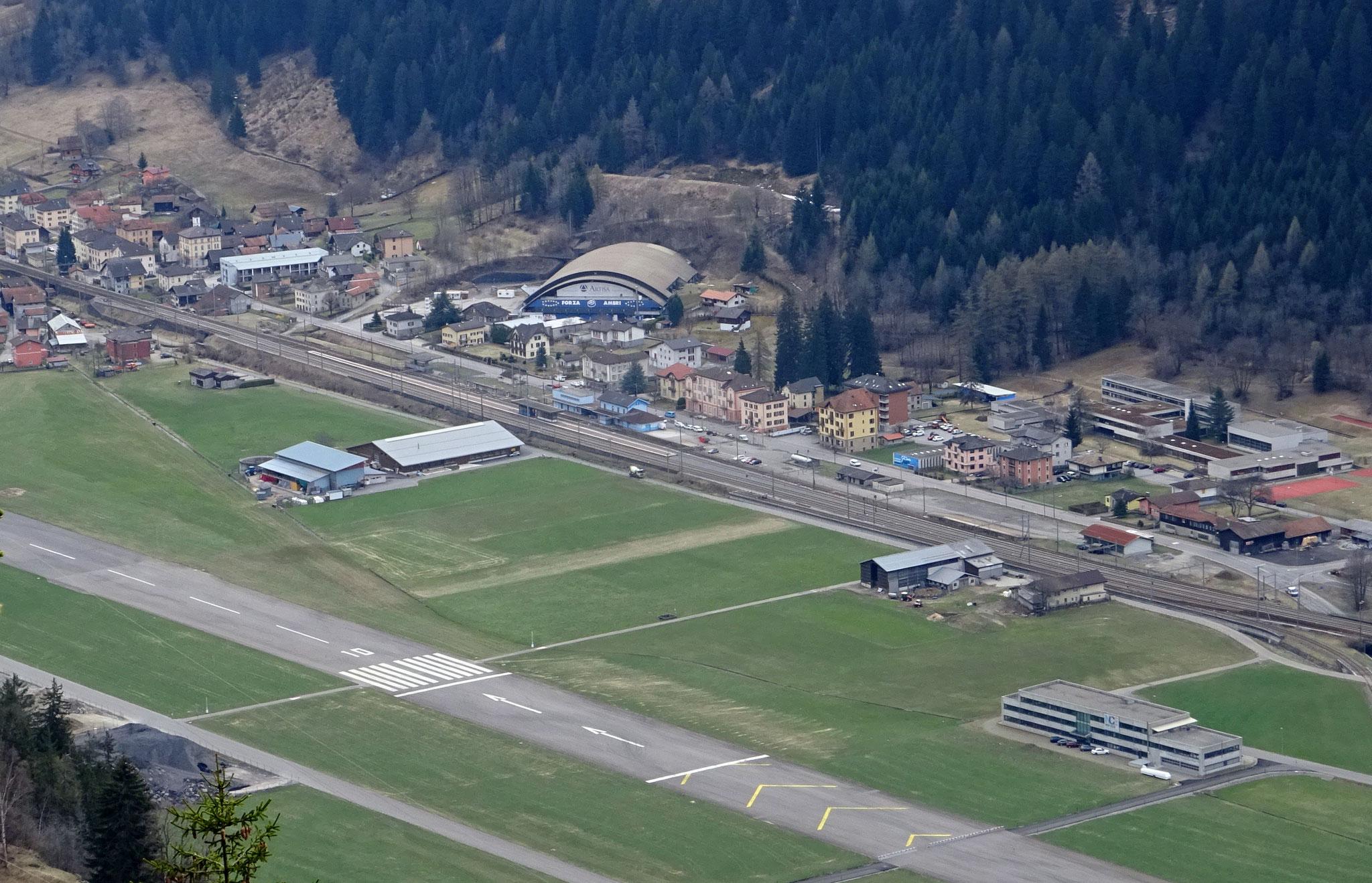 Blick auf die Valasca, die Eishalle des HC Ambri-Piotta