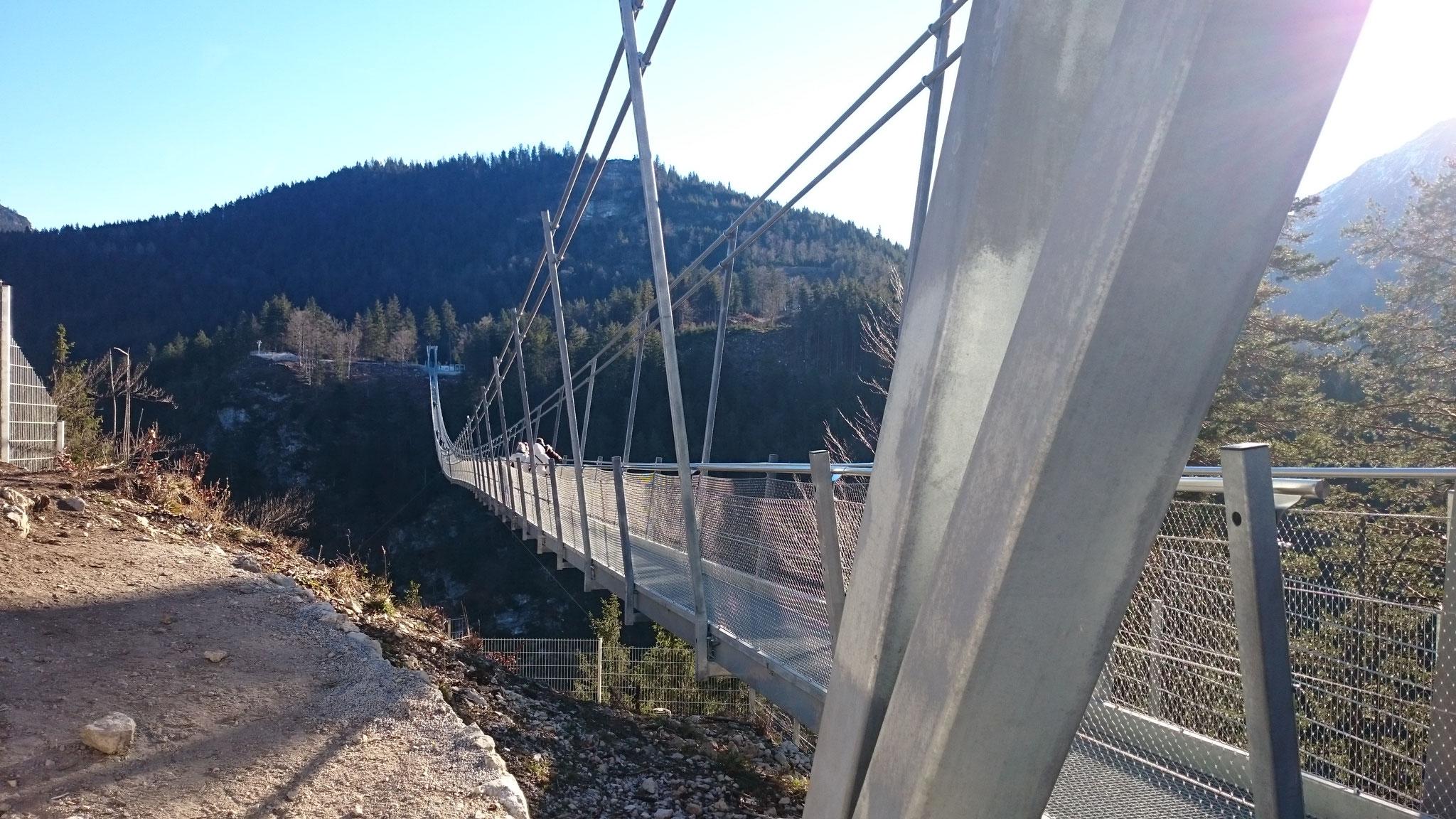 Fußgänger-Hängebrücke 'Highline 179' bei Reutte (Tirol)