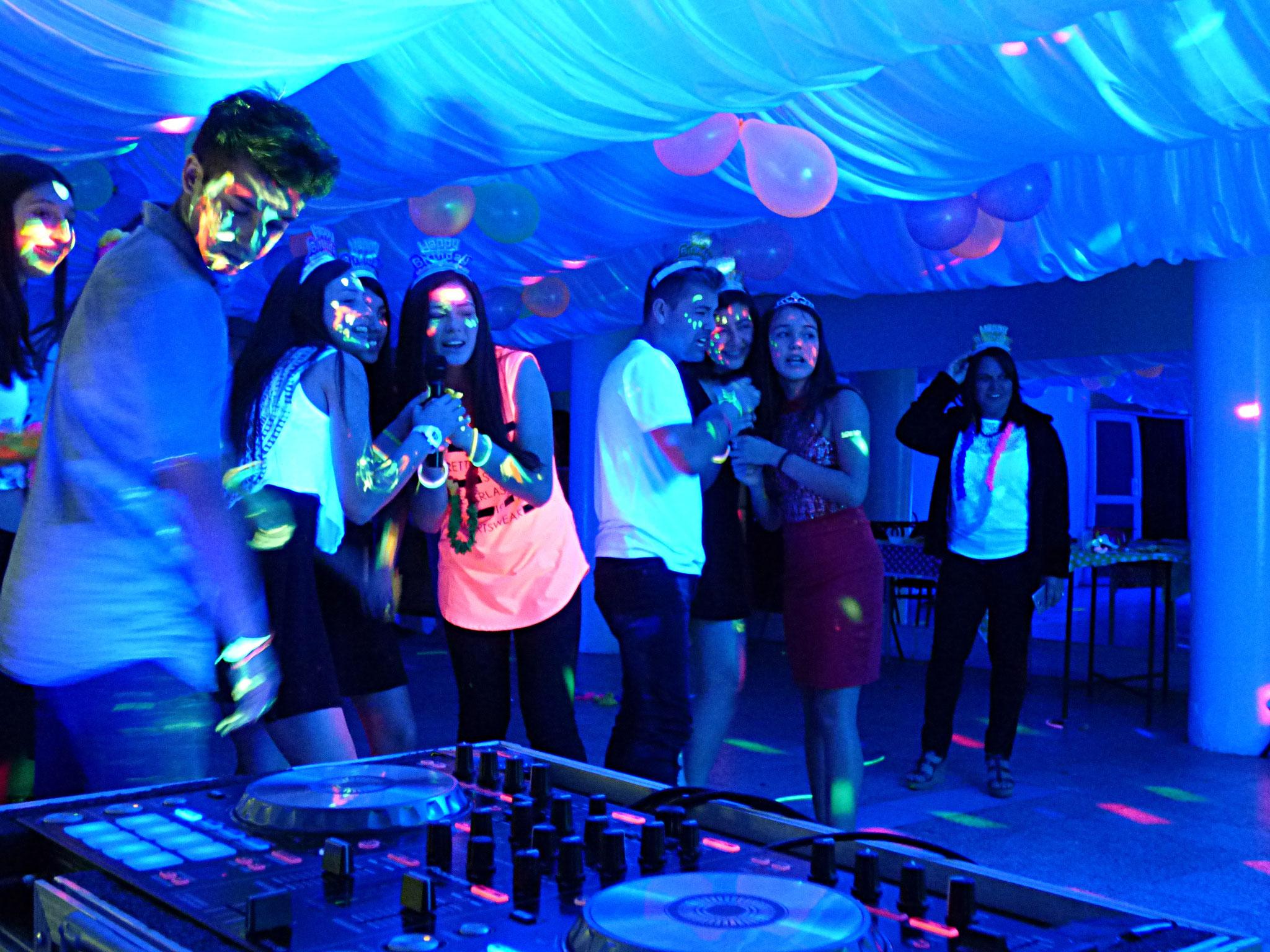 Cumpleaños De 15 Años Dj Audio Iluminación Profesional Fiesta