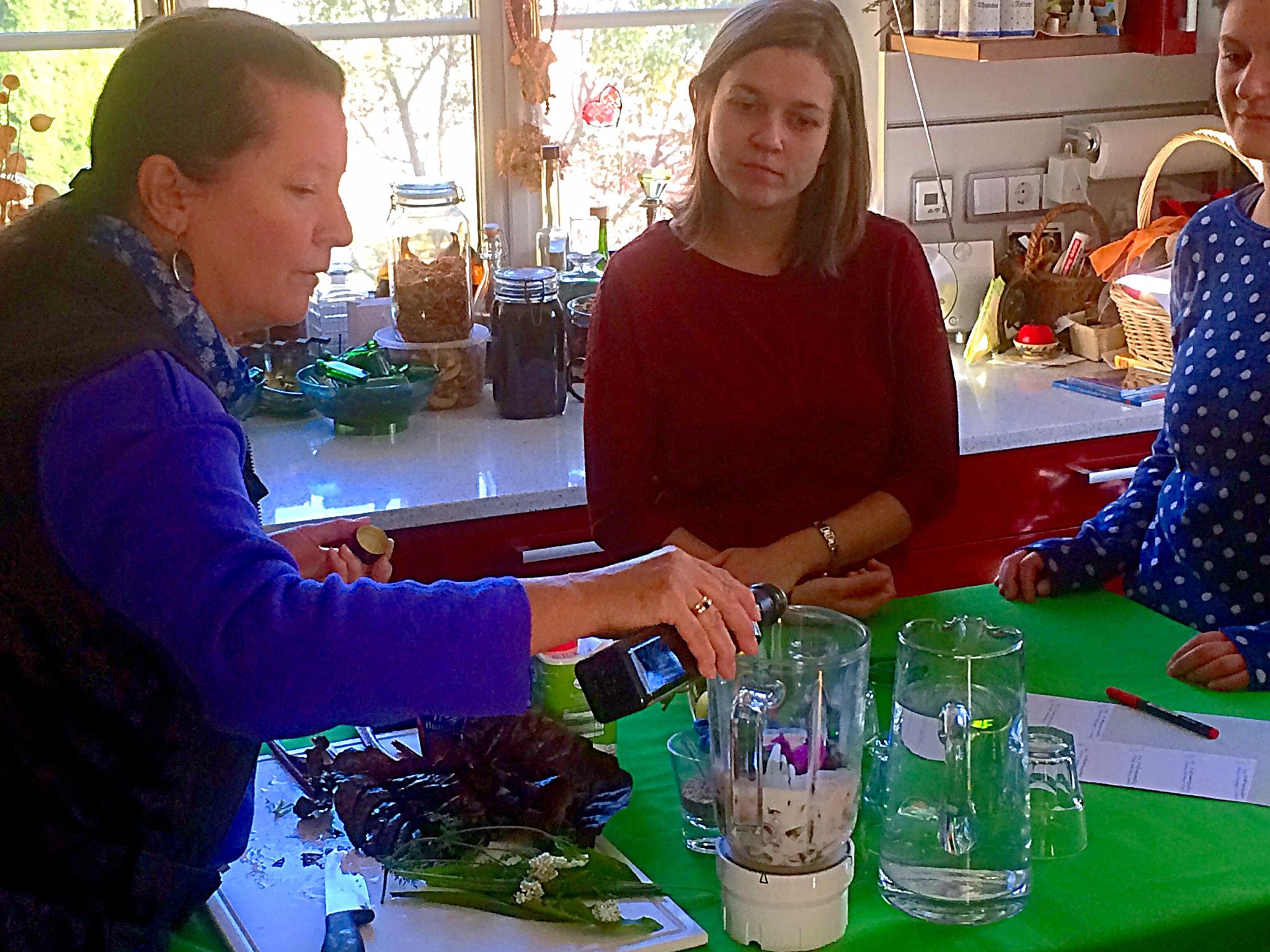 60. Kulinarische Wildkräuterwanderung - Gäste von Jufa Knappenberg (Janina Brunner) - 28. Okt. 2016