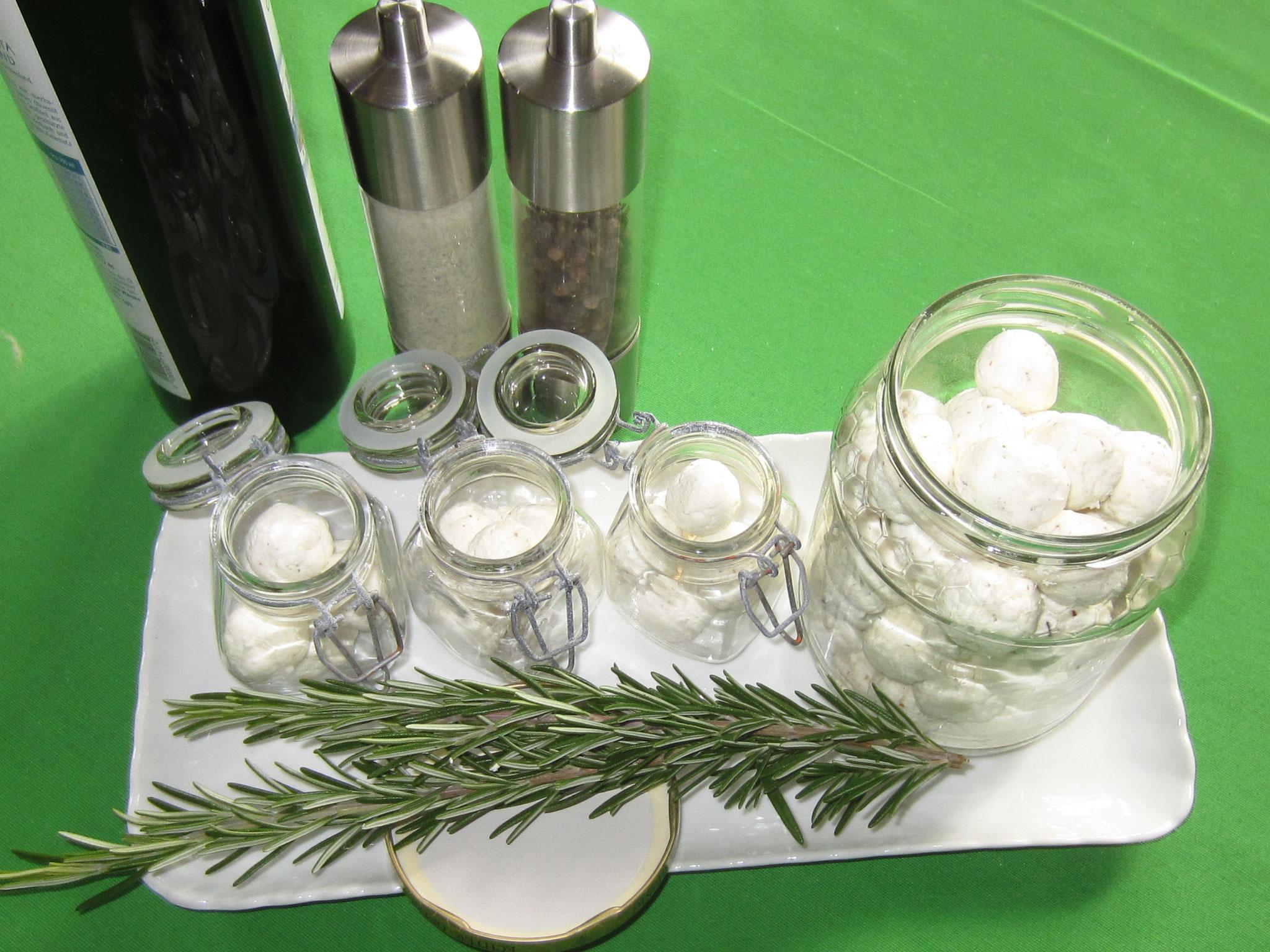 bällchen ins glas geben