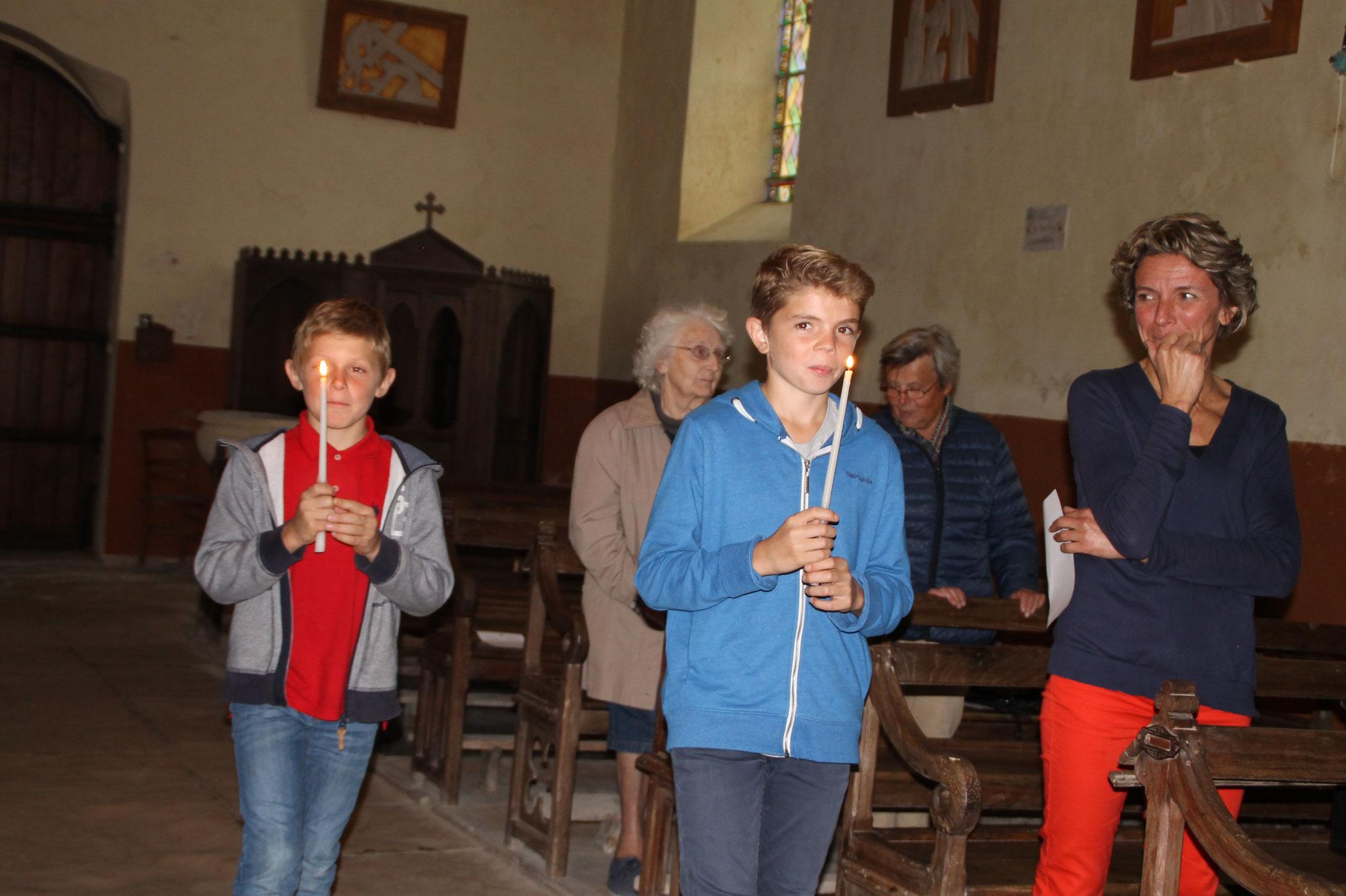 Les enfants pendant la cérémonie