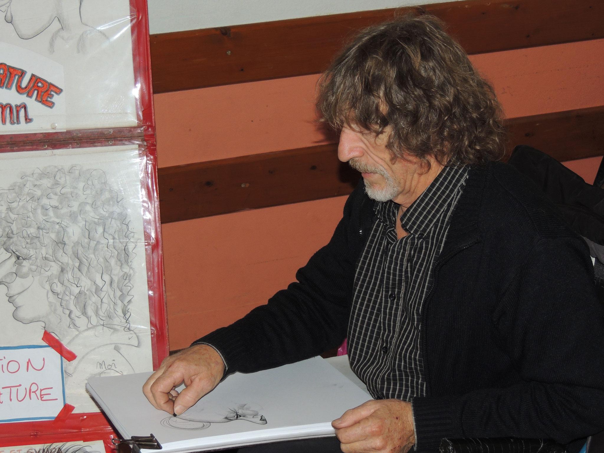 DSCN6920 le caricaturiste Dacquois Franck Sieurac en action
