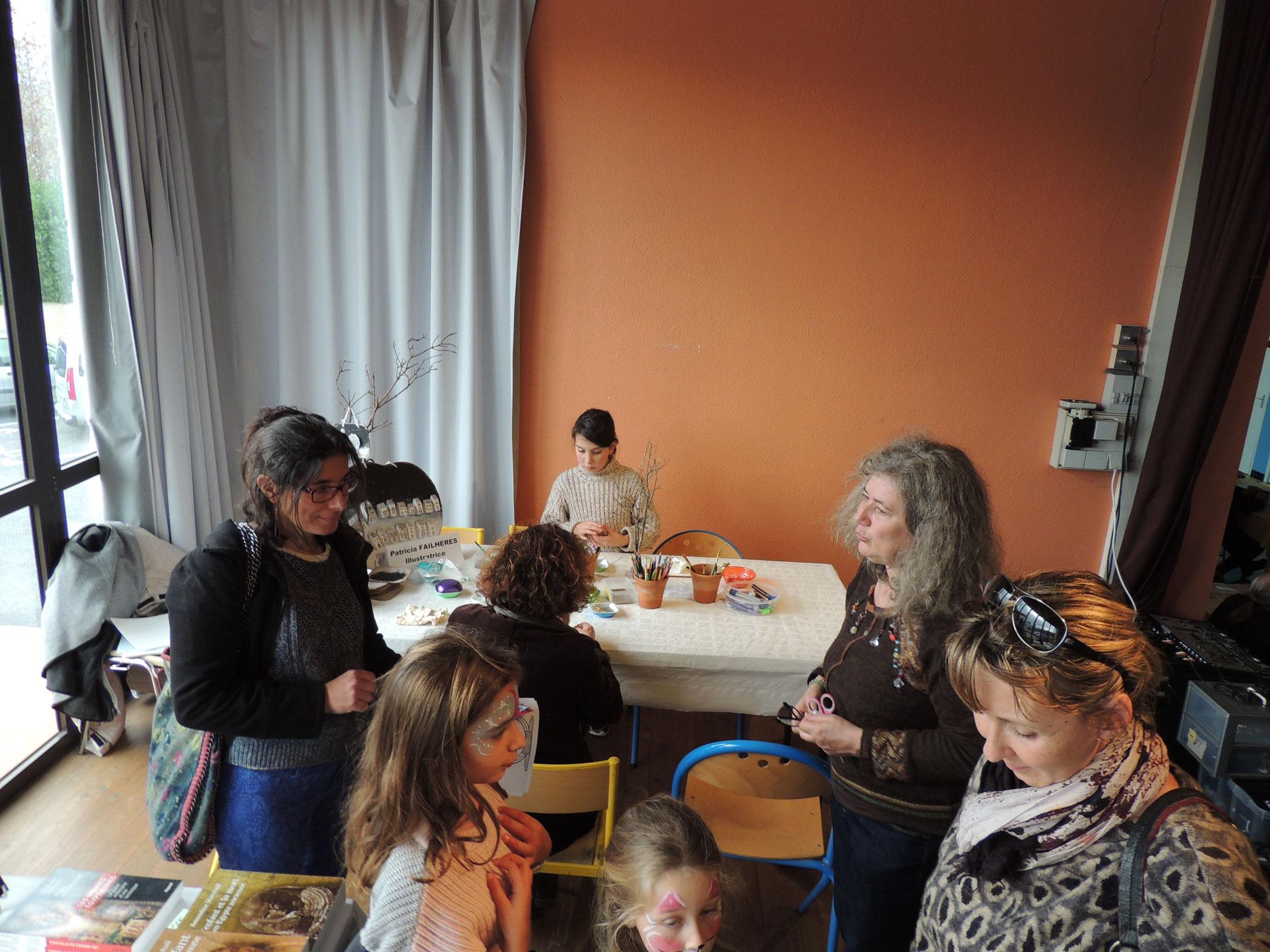 DSCN7035 l'accueil des enfants aux ateliers par Patricia Failhères