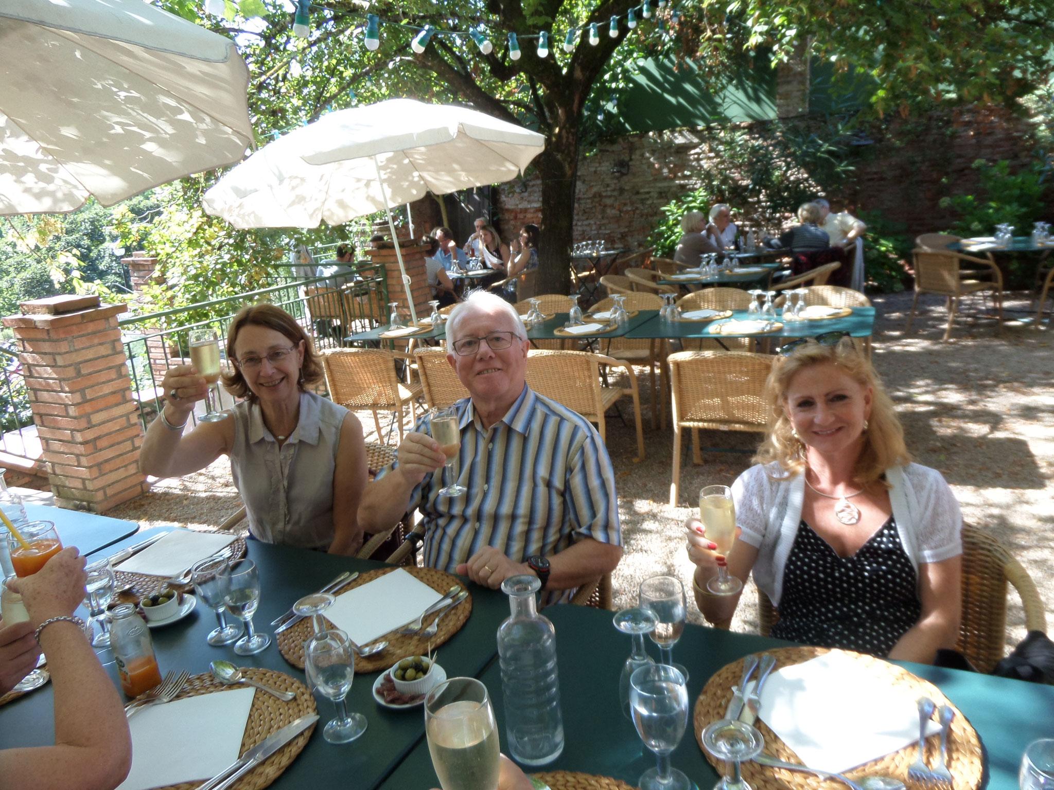 """La bonne humeur au restaurant Albigeois """"le clos Sainte Cécile"""""""