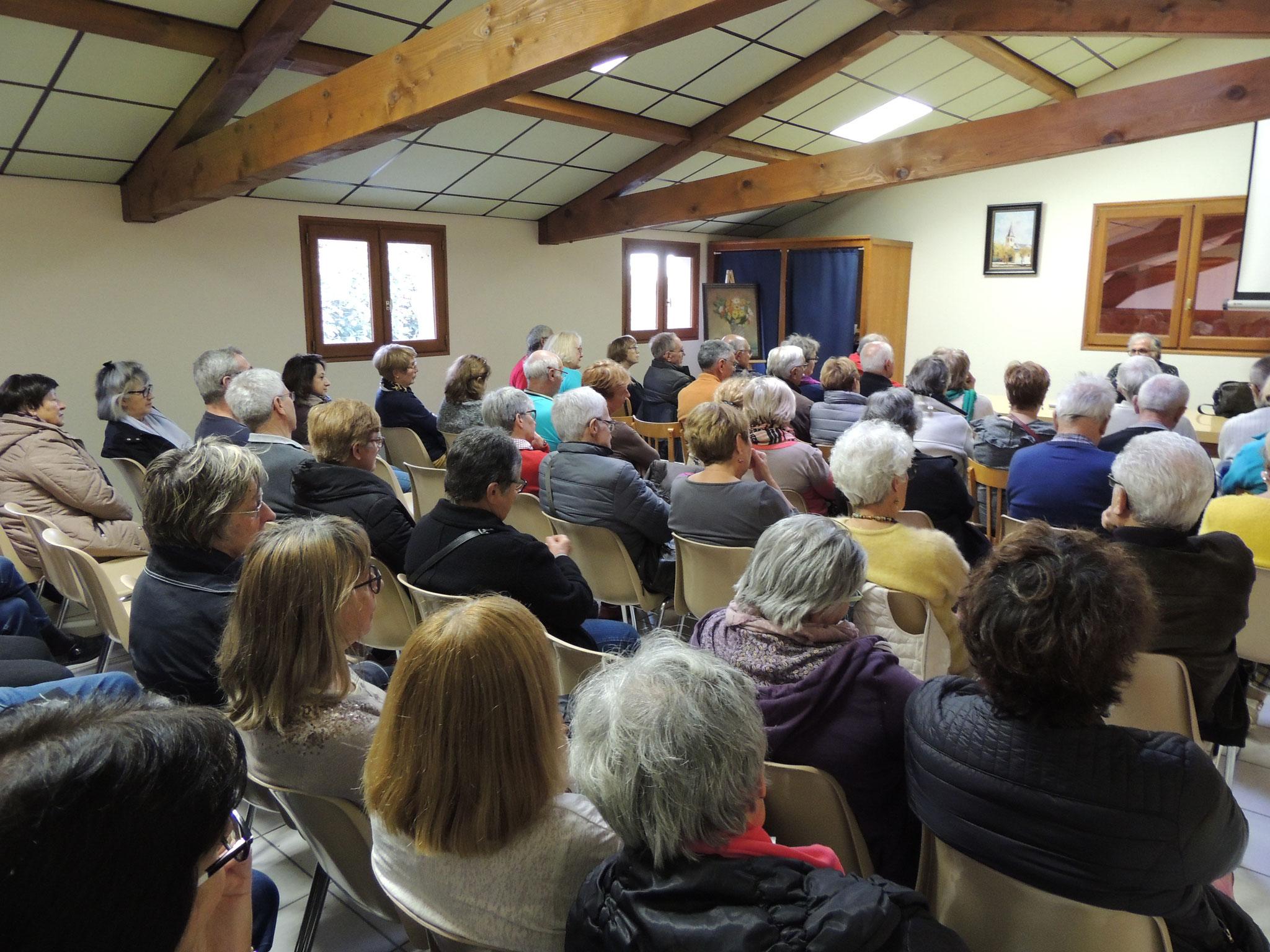public d'yves Lignon, vu du fond de la salle