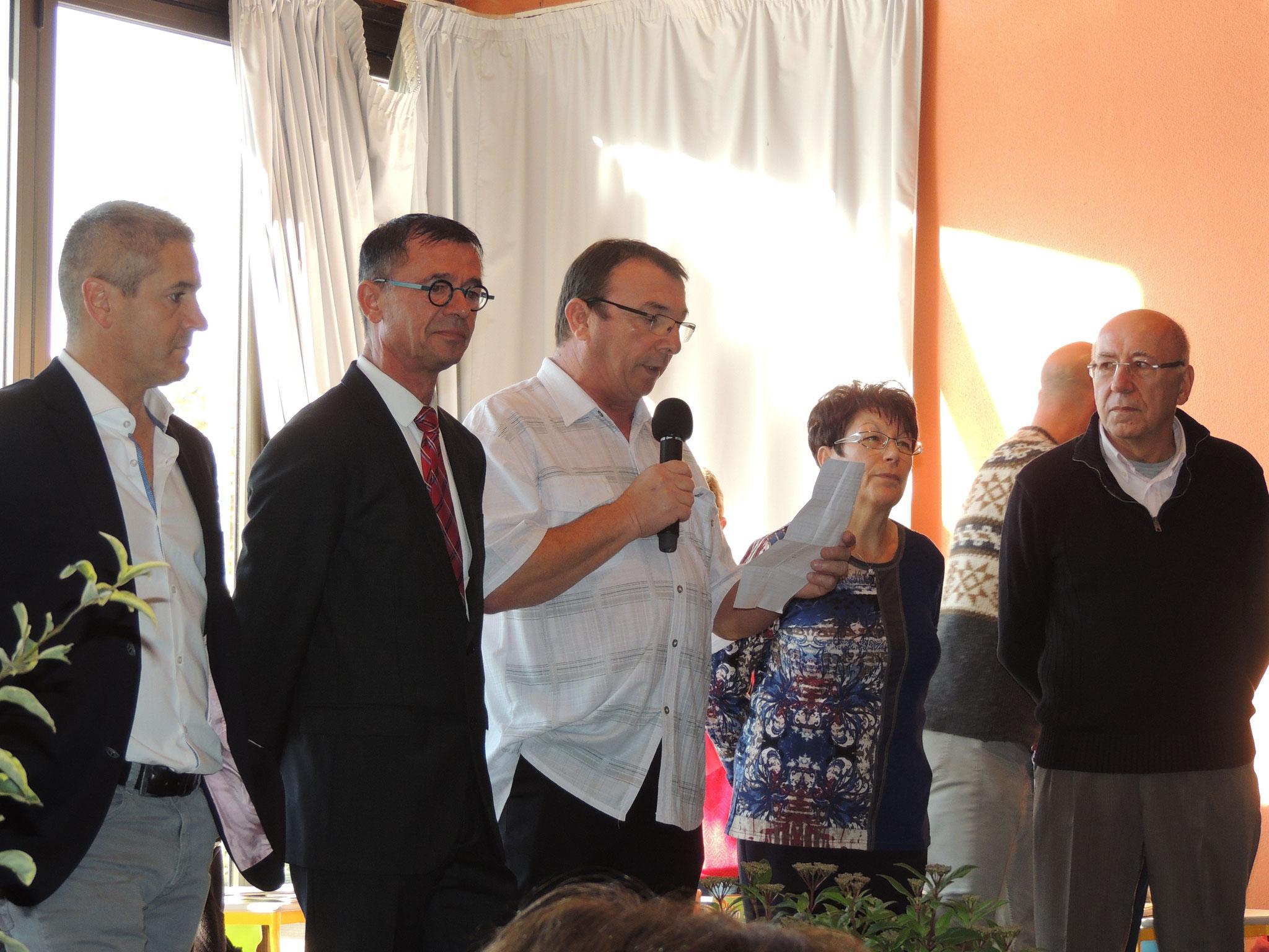le Maire Thierry Toubert avec à sa droite Joël Aviragnet député suppléant de Carole Delga et à sa gauche Danielle Cazeneuve Présidente de l'association organisatrice