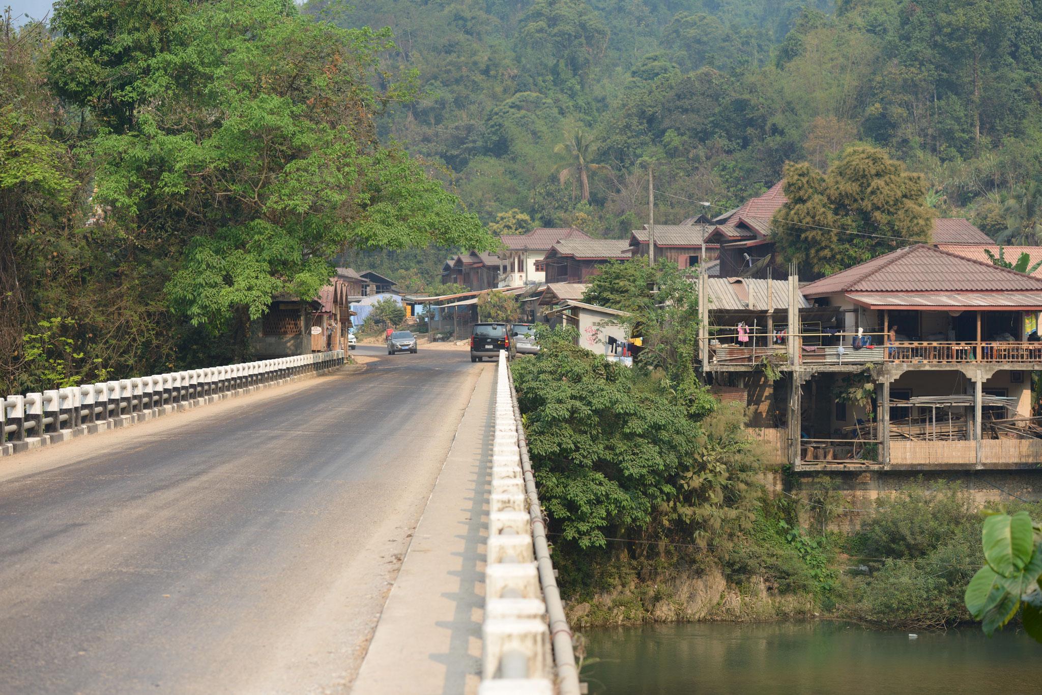 Tag 8 - Transfer nach Luang Prabang