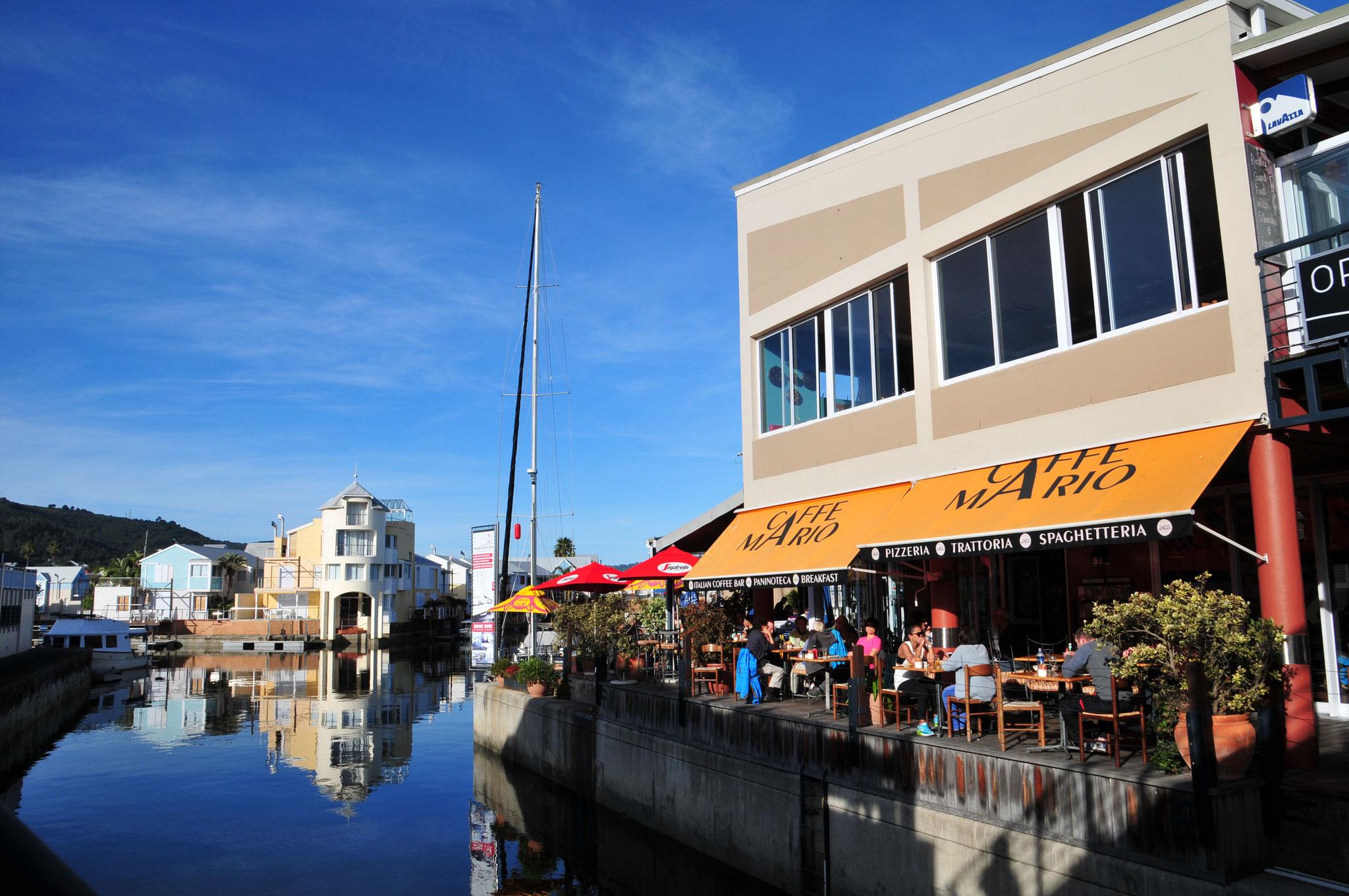 Am Nachmittag in Knysna (Waterfront) bei Mario - Penne Rucola und Spaghetti Bolognese