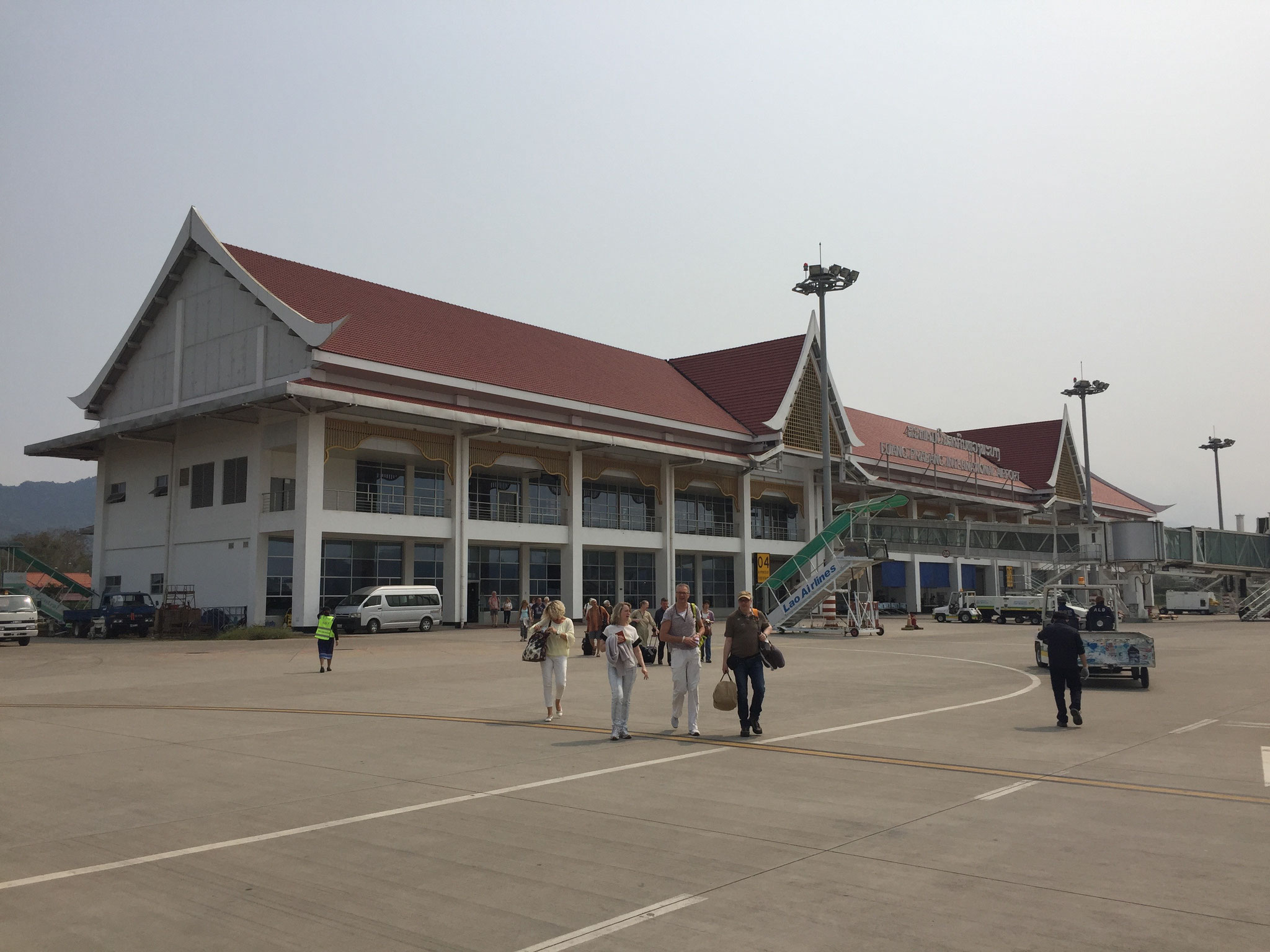 Am Mittag Flug nach Siem Rep in Kambodscha