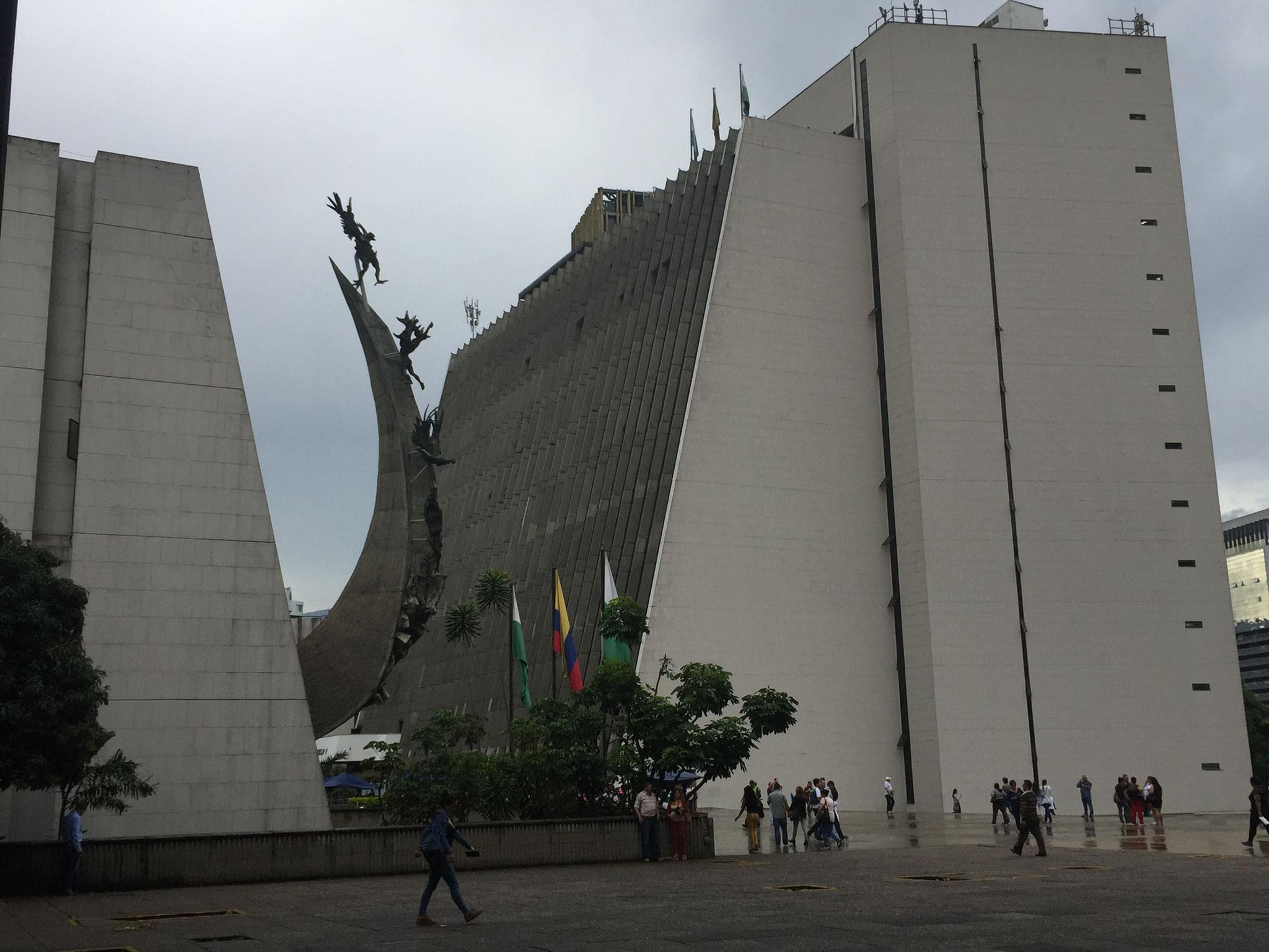 verschiedene Plätze in Medellin
