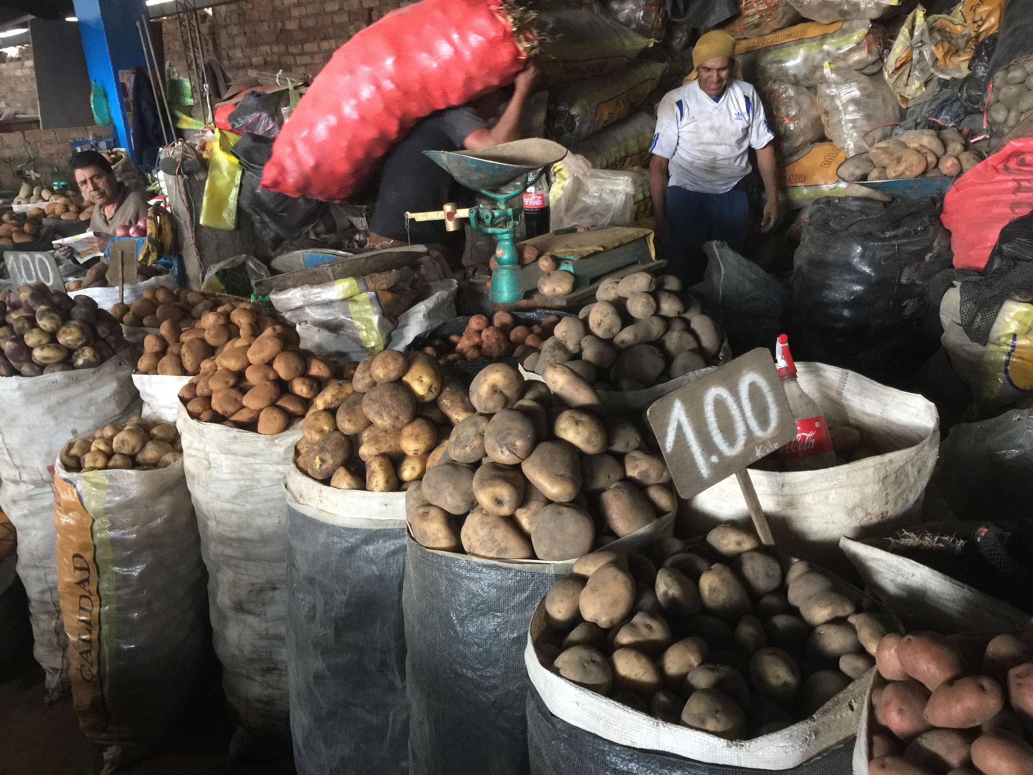 Kartoffeln ohne Ende auf dem Markt!