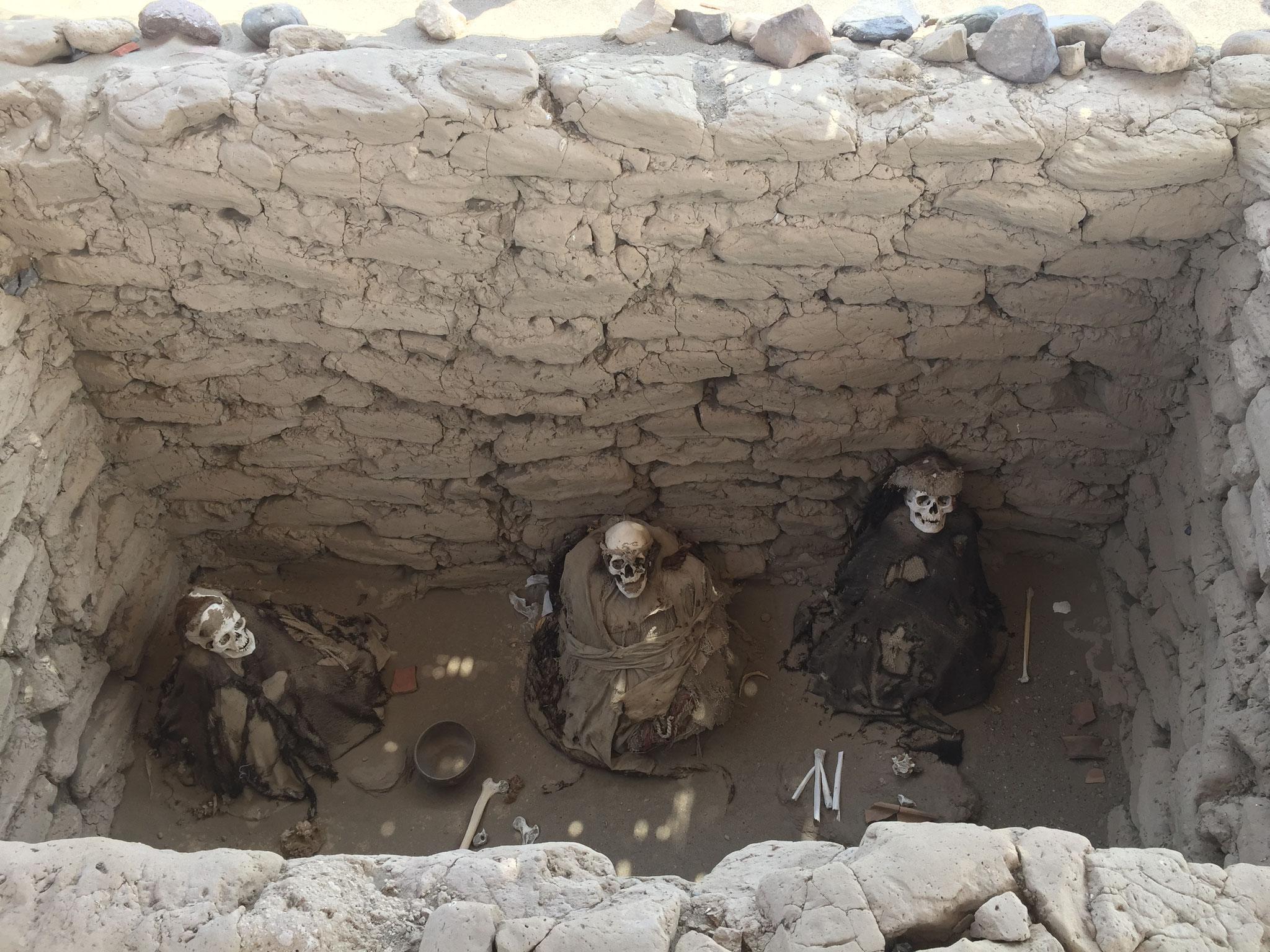 Grab einer Nazcafamilie