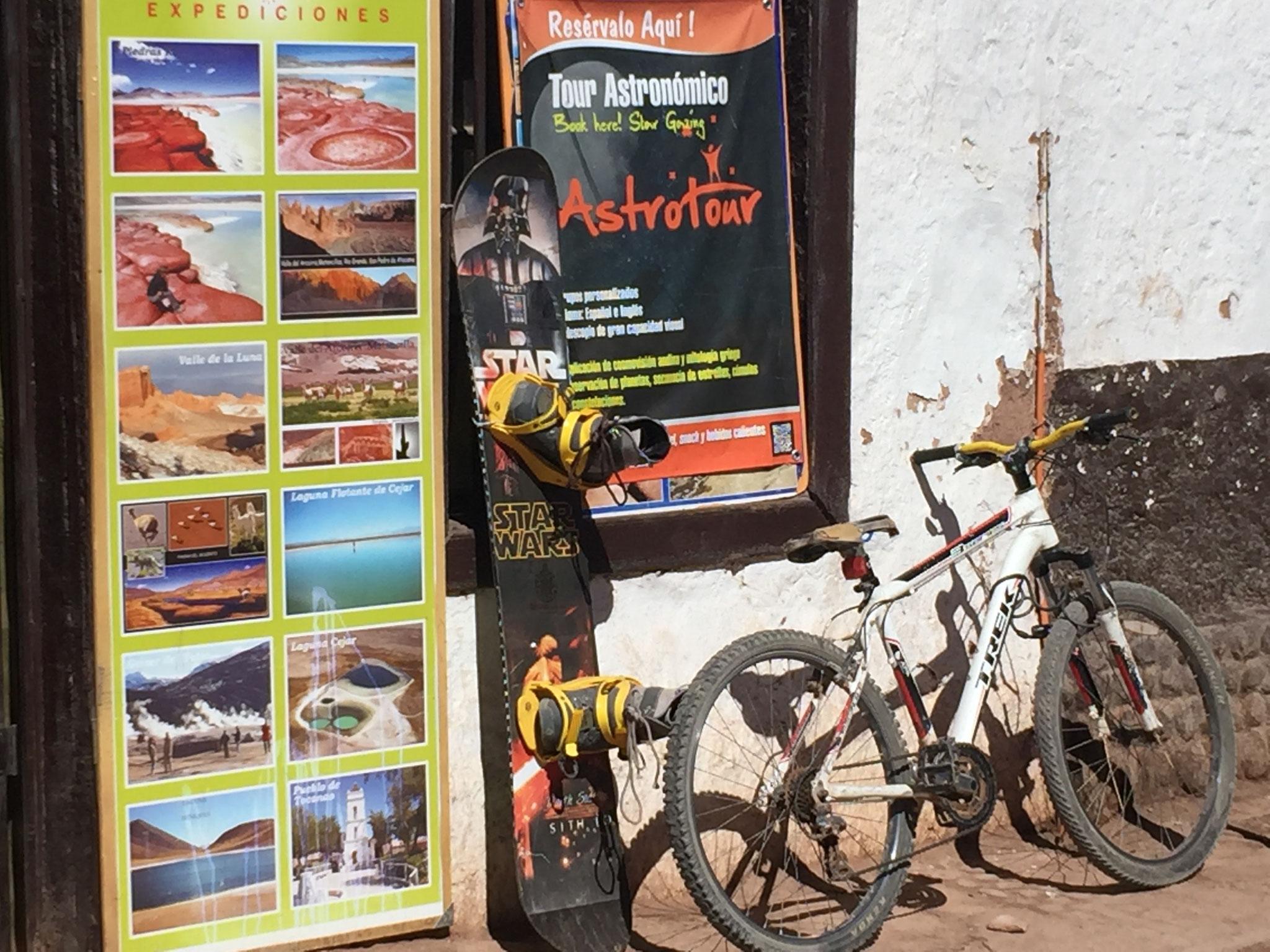 San Pedro mit Angeboten für Fahrräder und Sandbords