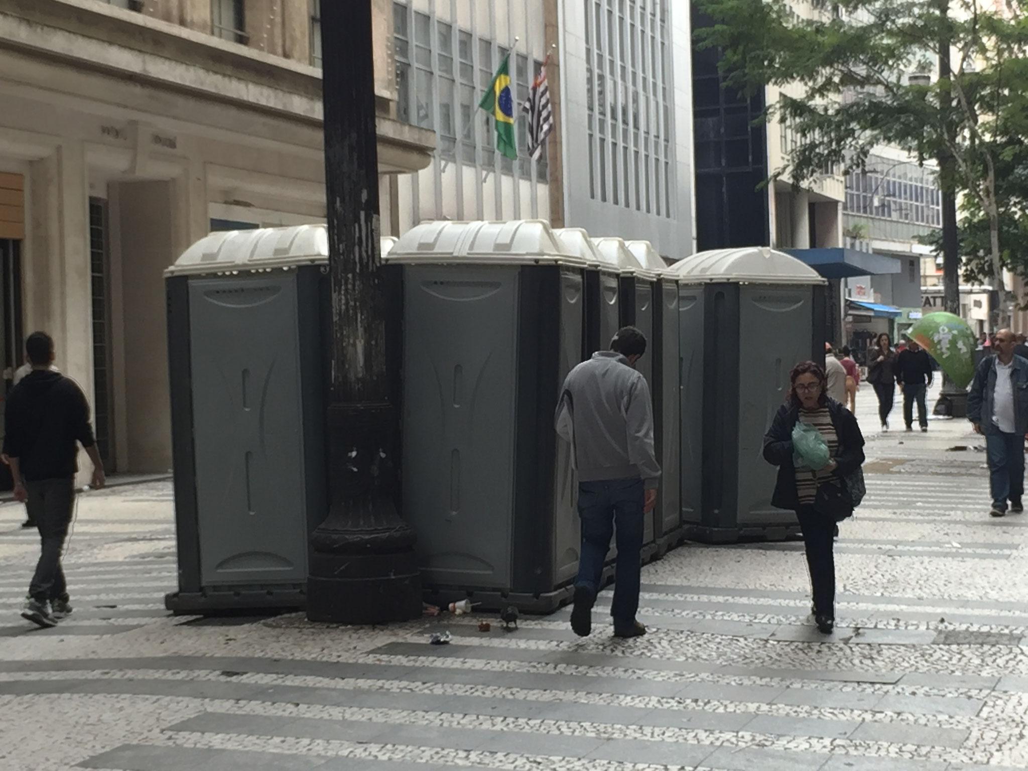 und hunderte WC!!!!!!
