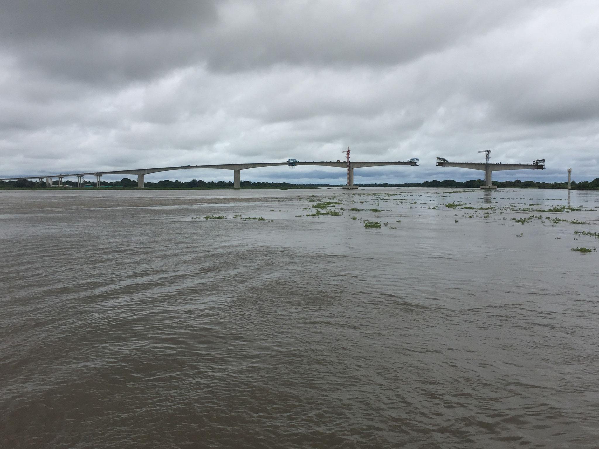 Brücken werden gebaut
