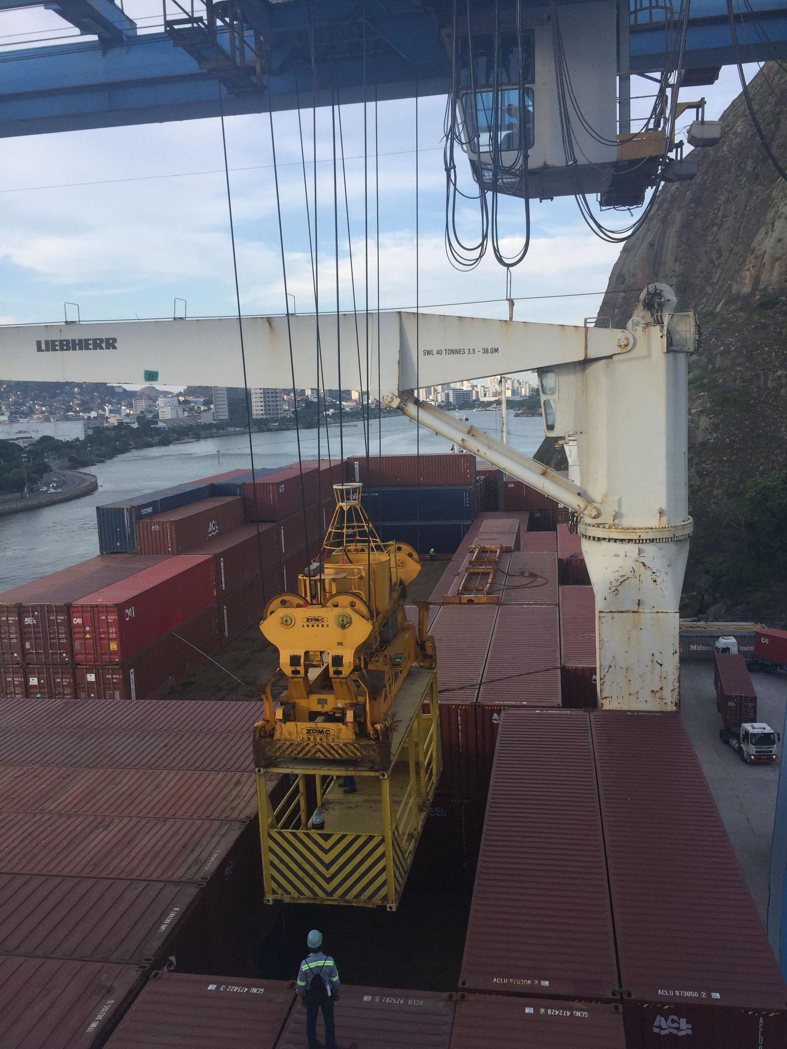 Ent- und beladen des Schiffes