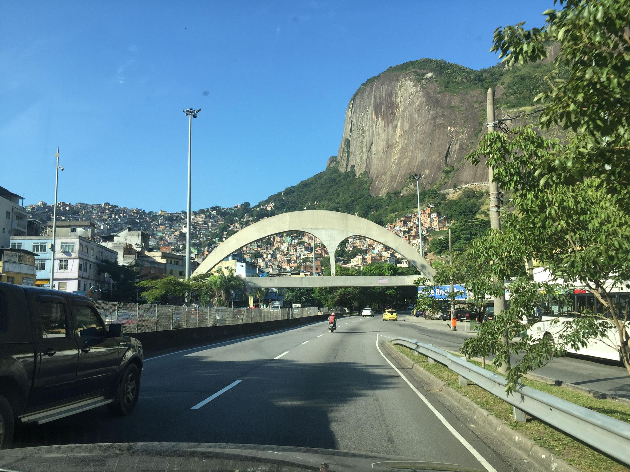 Brücke von Niemeyer