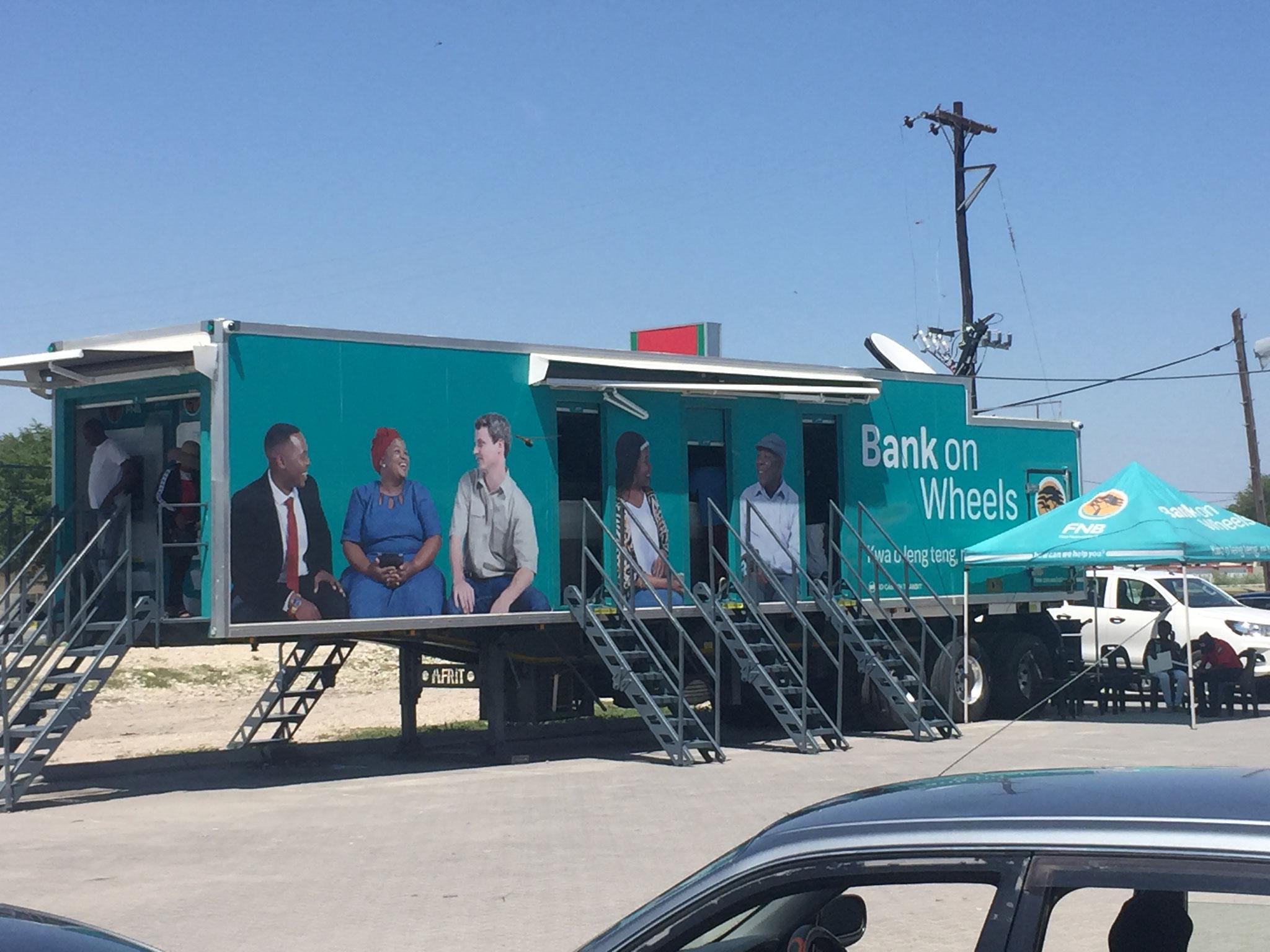 Unterwegs fahrbare Bankfiliale