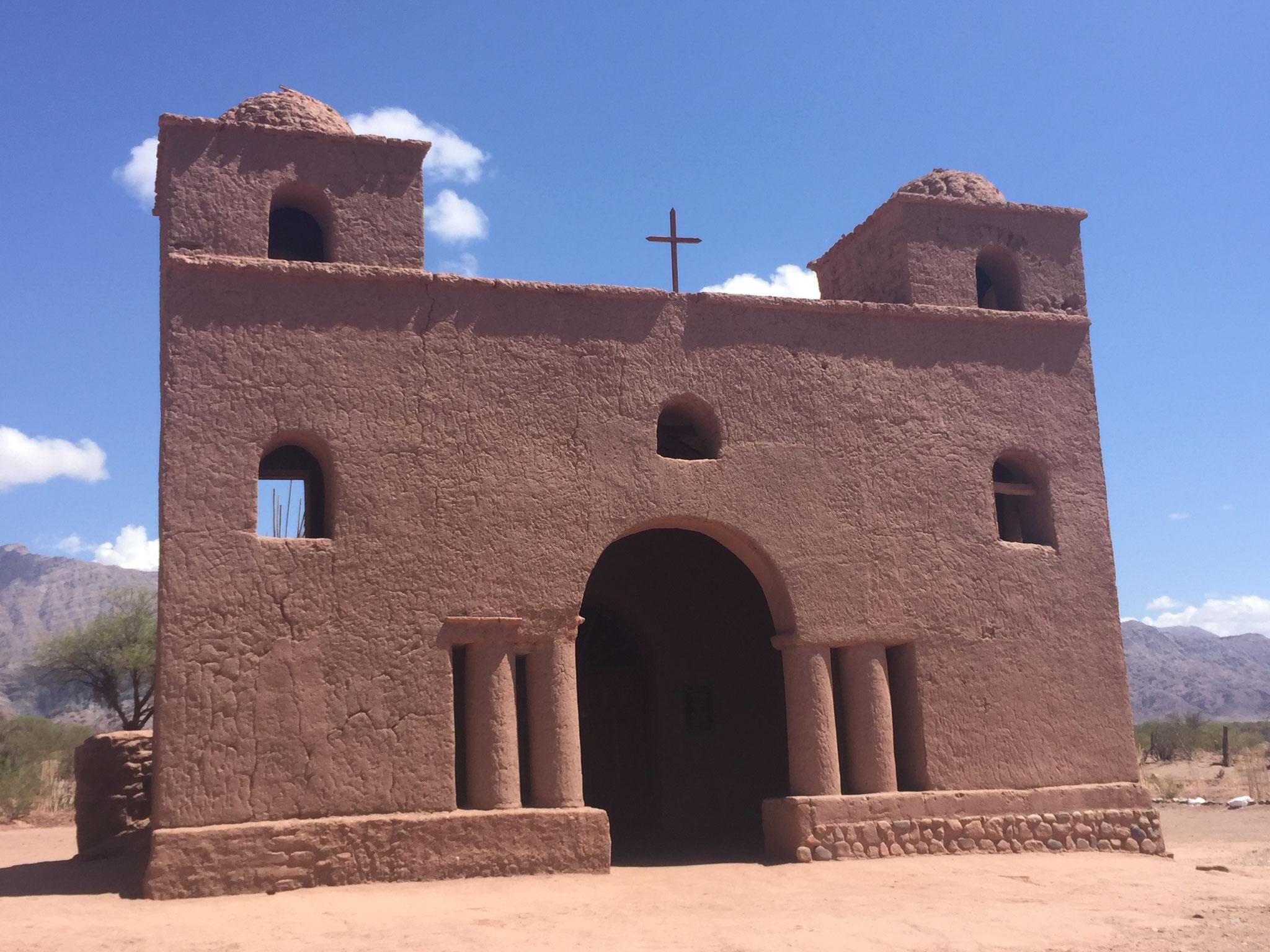 Restaurierte Adobekirchen aus dem 18Jh.......
