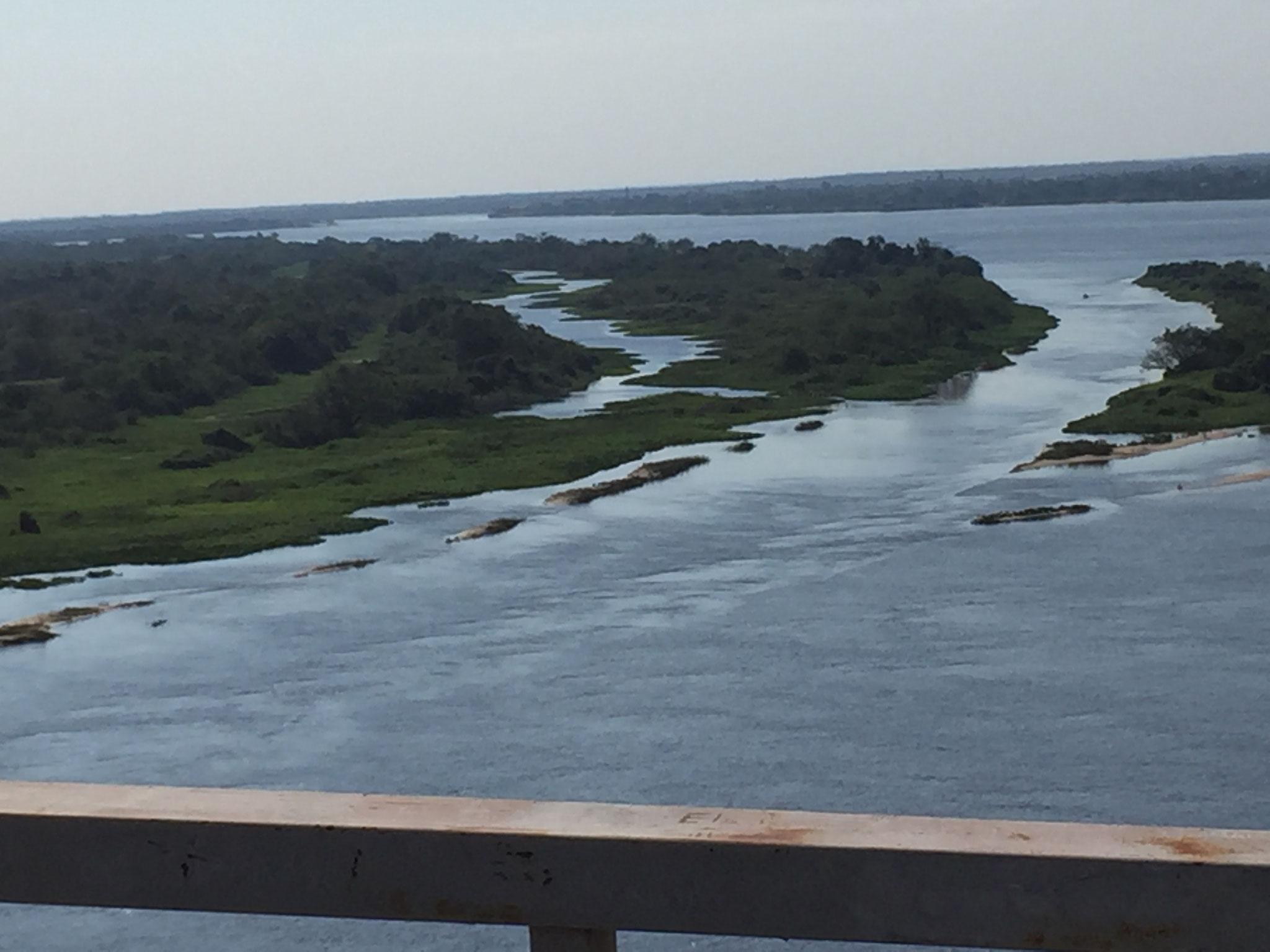 von der Brücke auf den Rio Paraguay