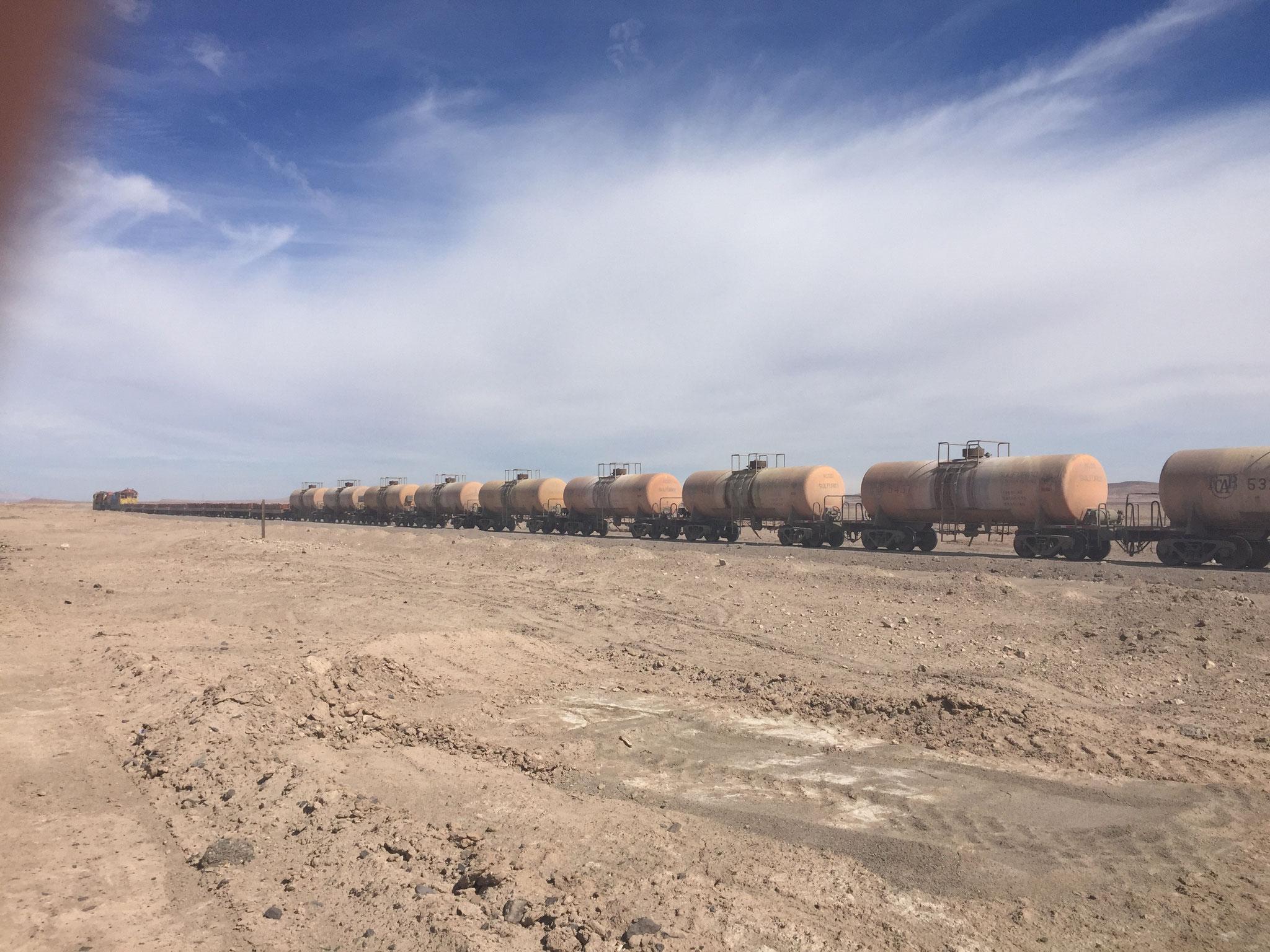 Zug durch die Wüste