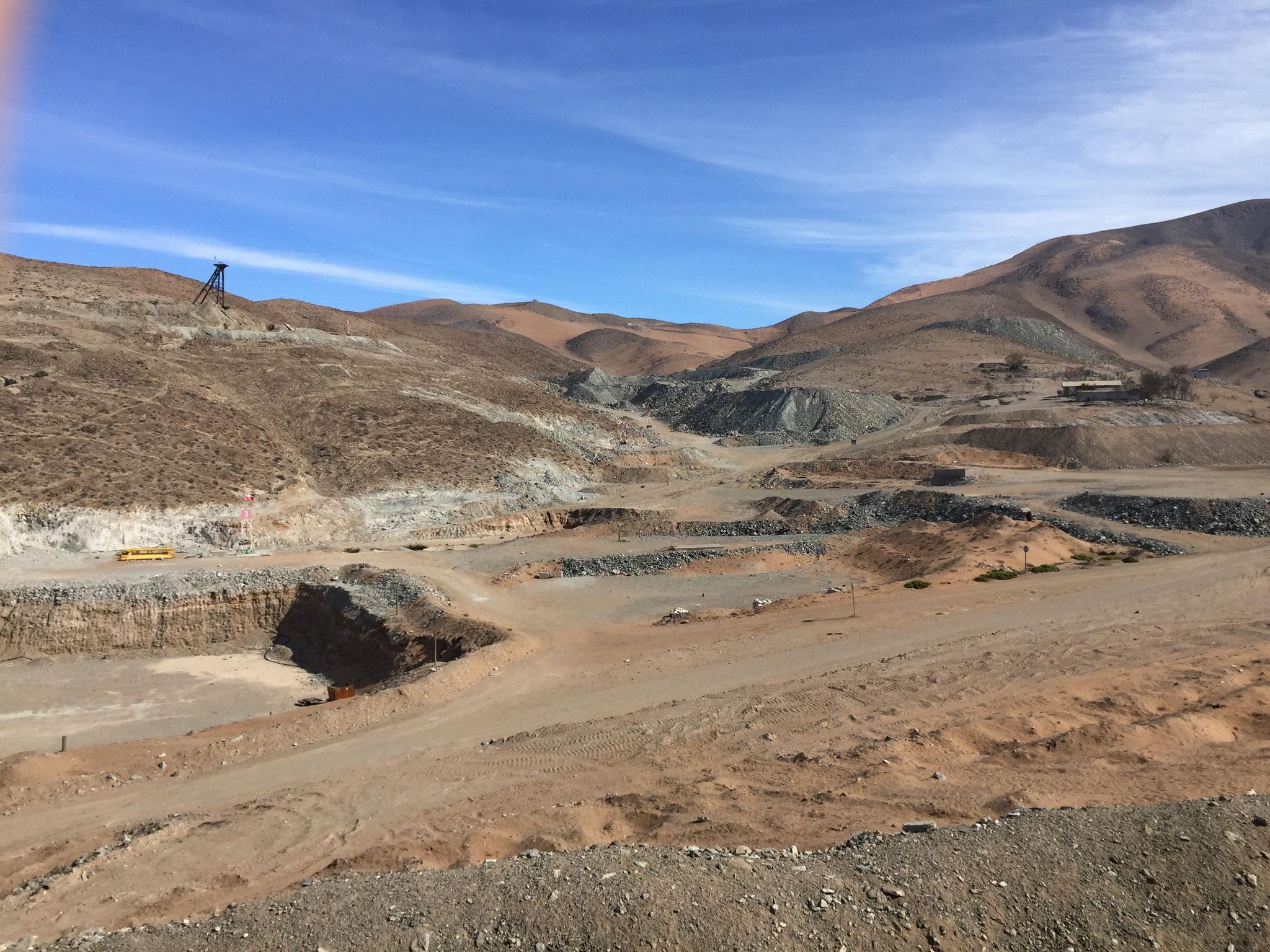 Blick auf das ehemalige Minengelände