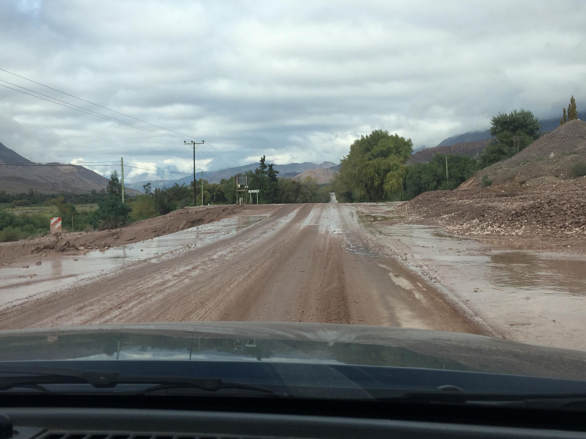 Überschwemmung auf der Ruta 9...