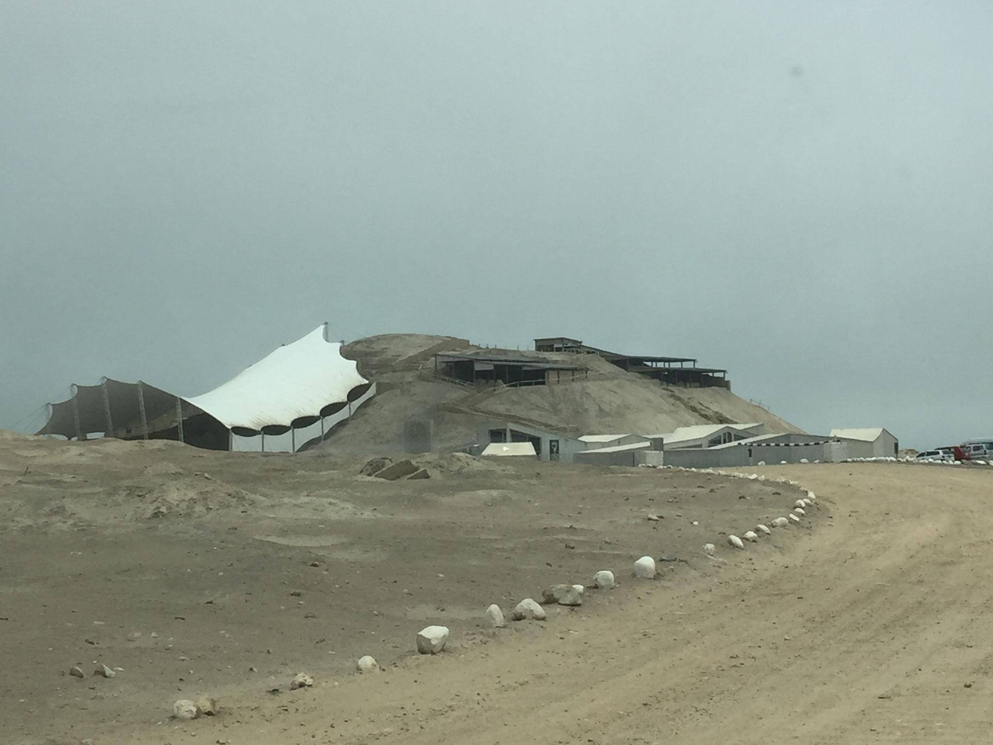 Pyramiden von El Brujo mit ......