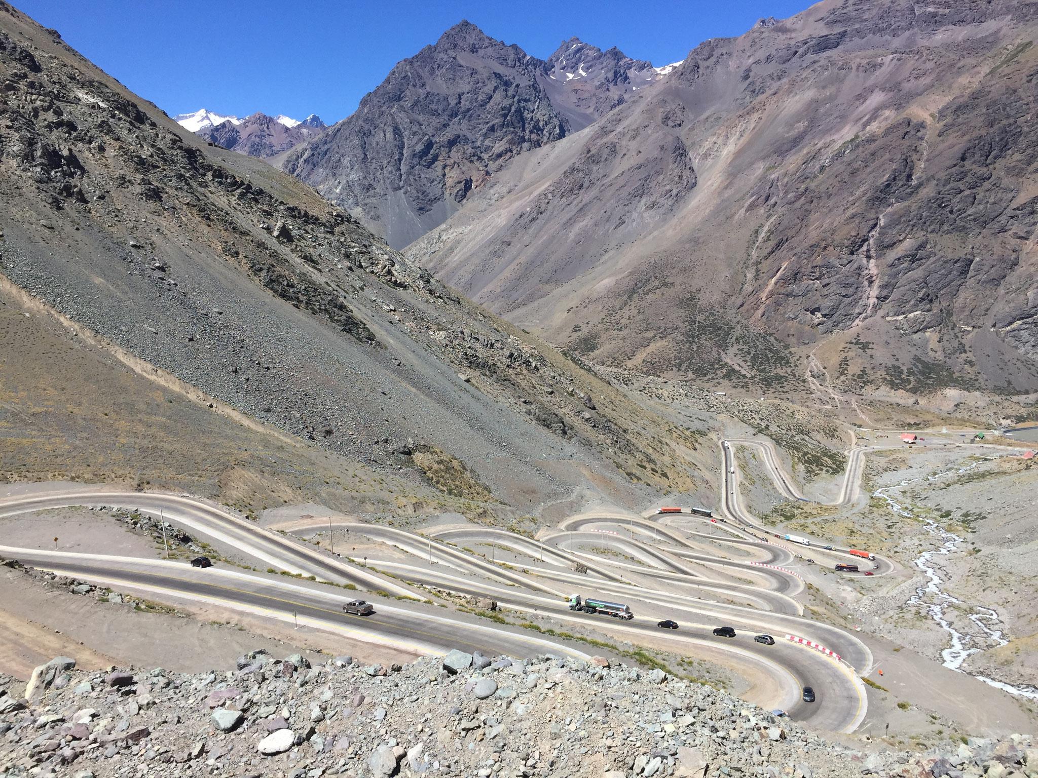 Passstrasse auf chilenischer Seite