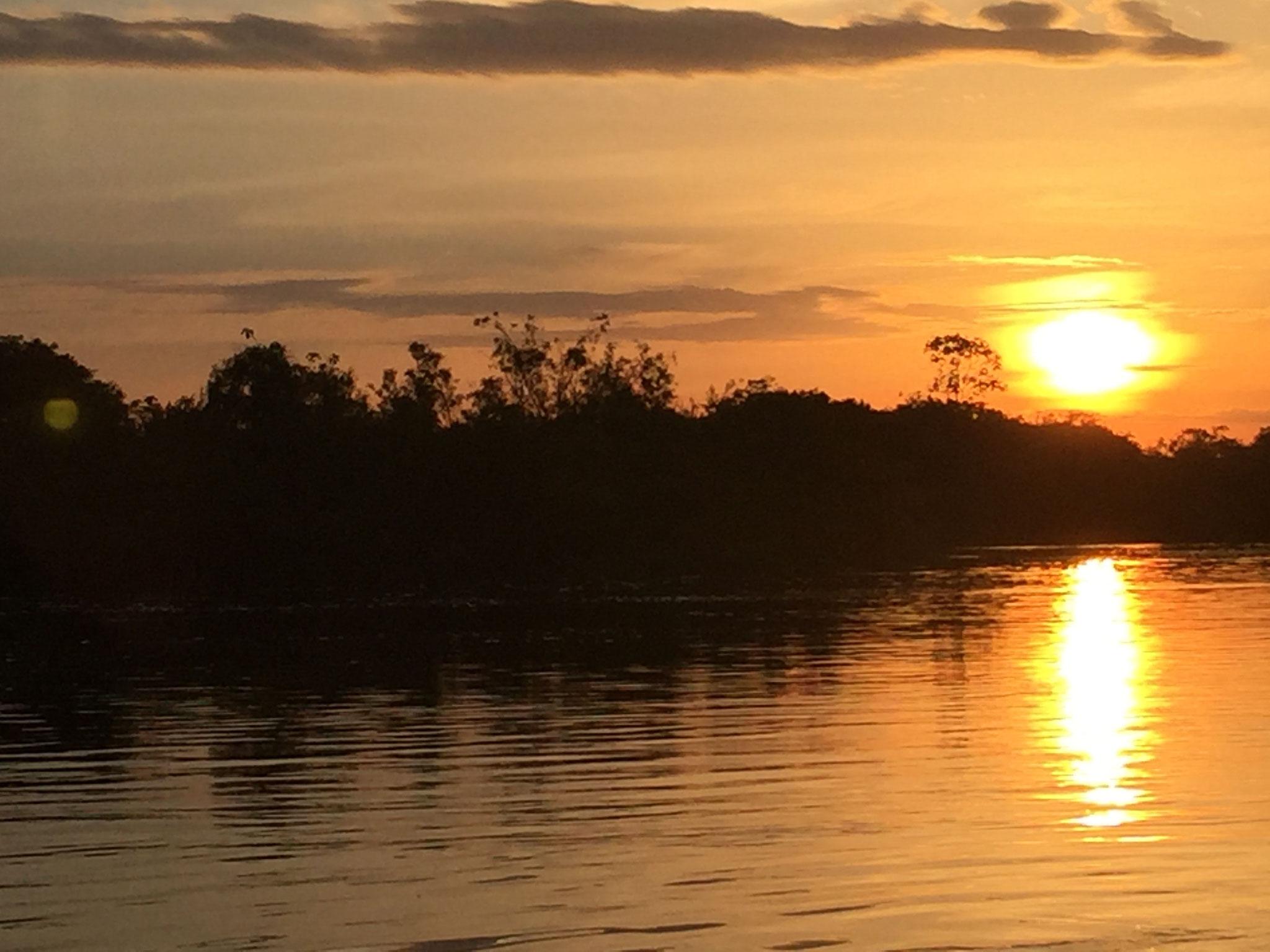 Sonnenuntergang auf dem Boot
