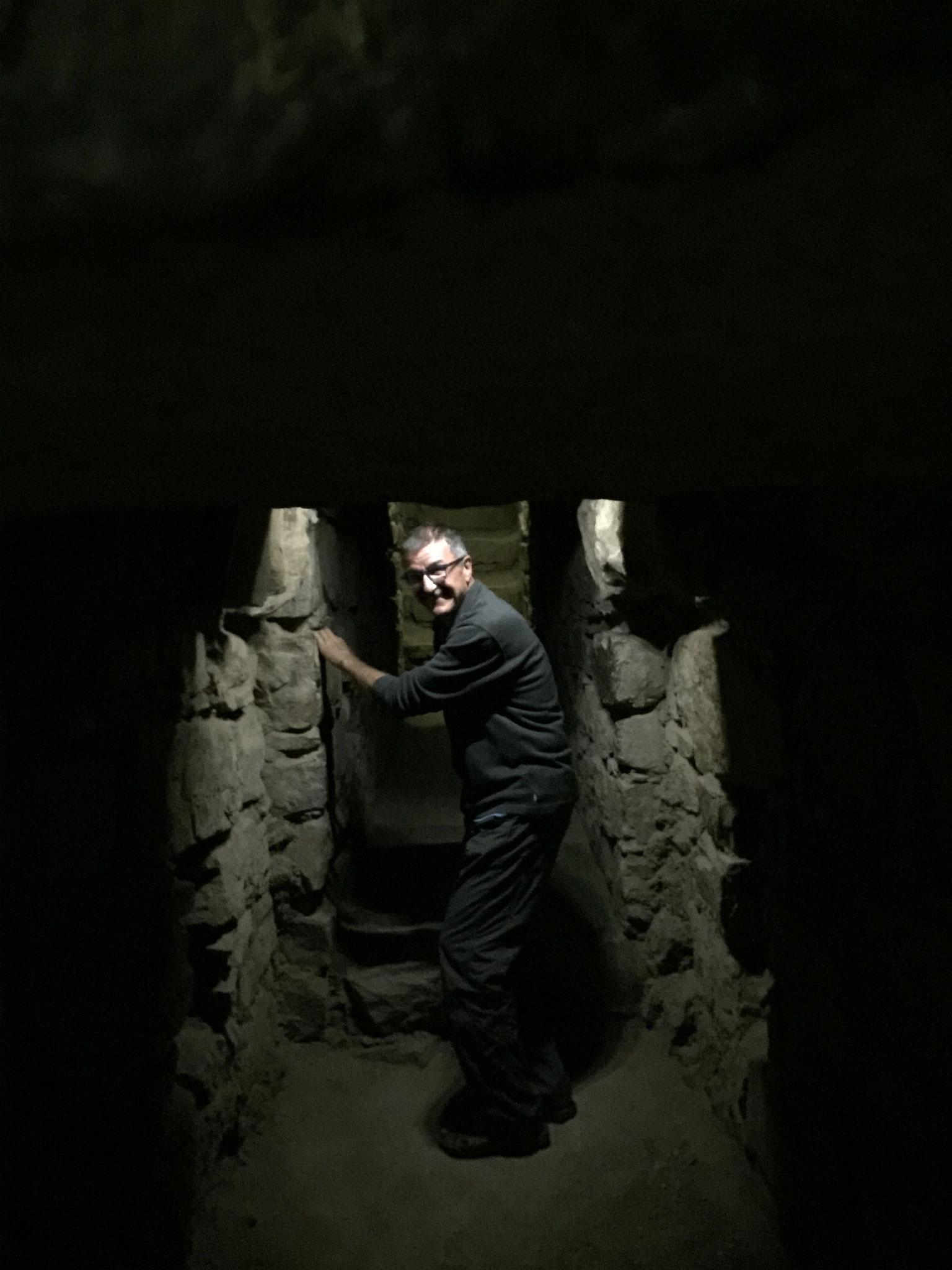.... mit Höhlengängen
