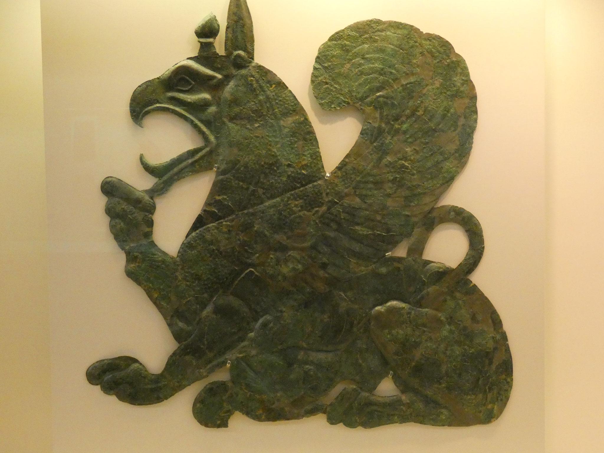 im tollen Museum: Bronzefiguren