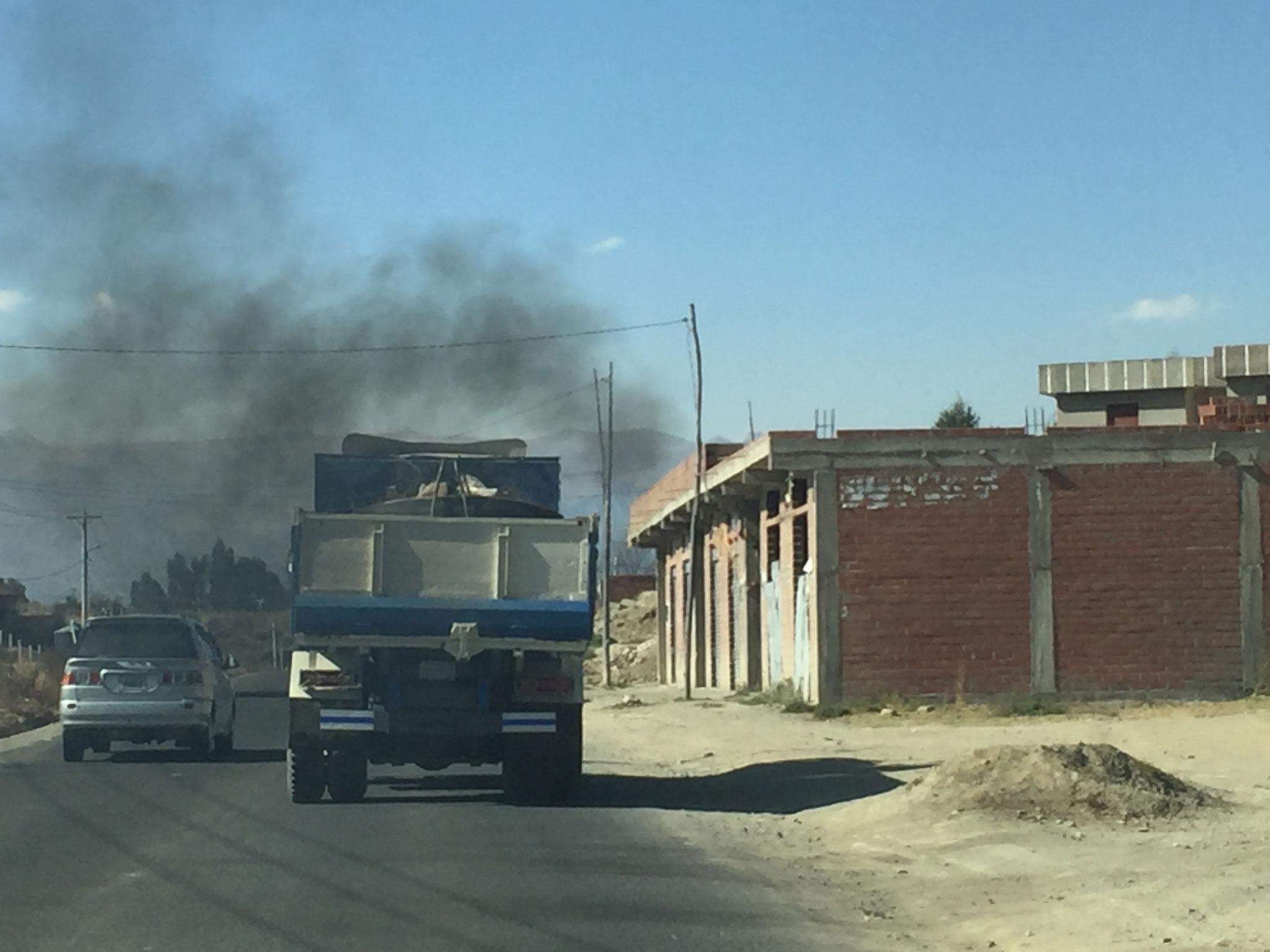 Lastwagen in La Paz!