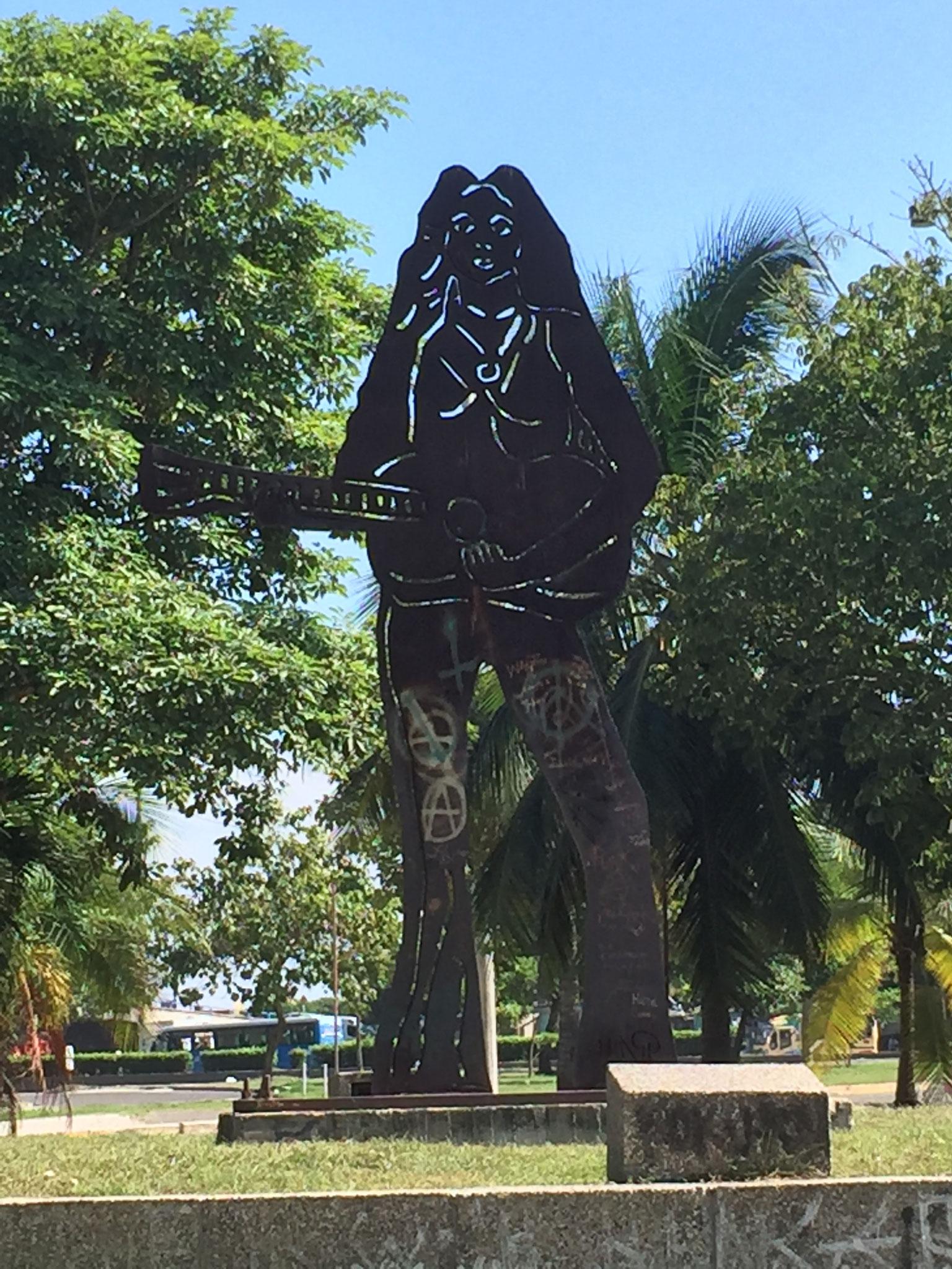 Shakira-Monument