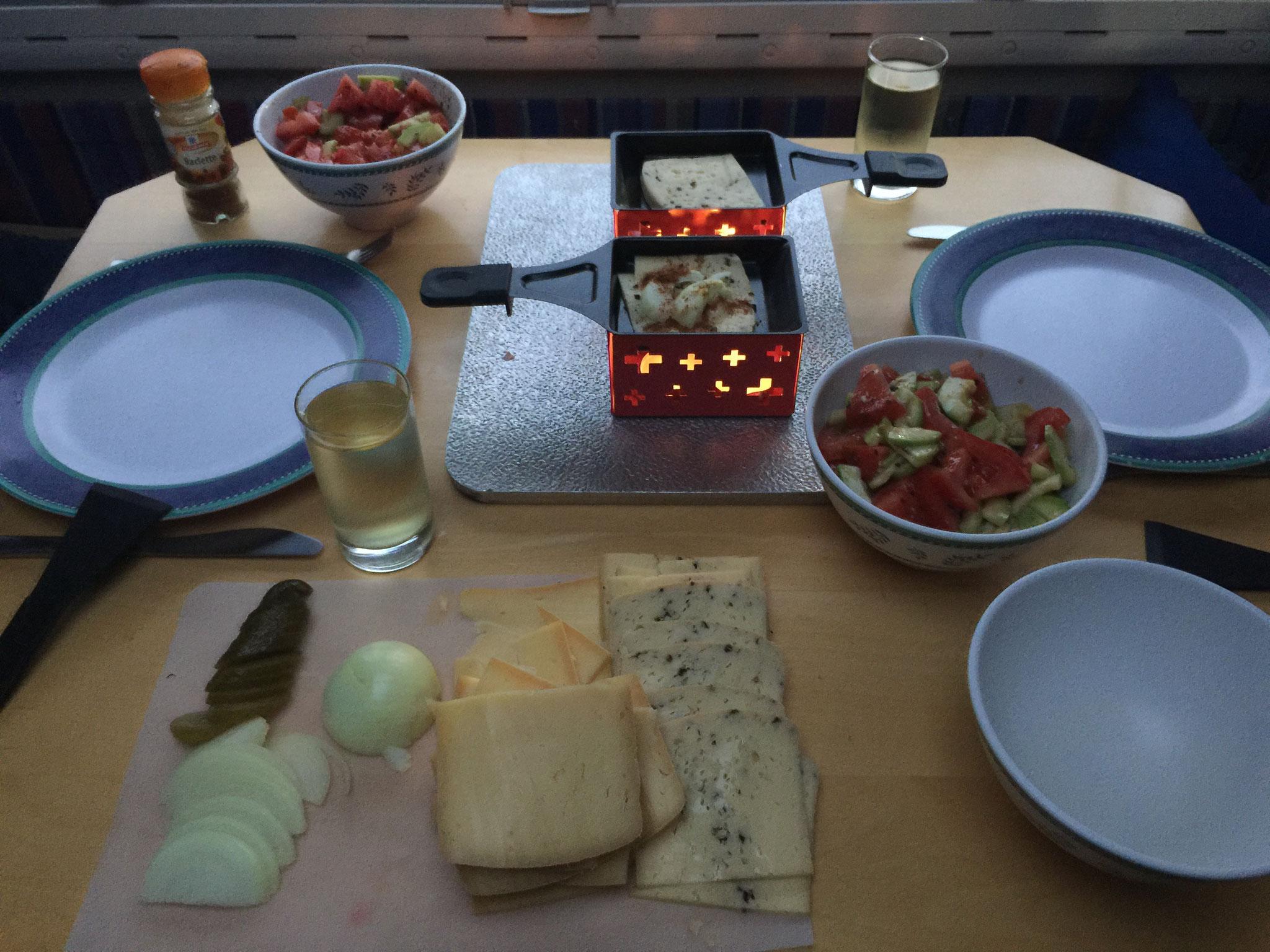 .... und bei uns gibt es Raclette!!!