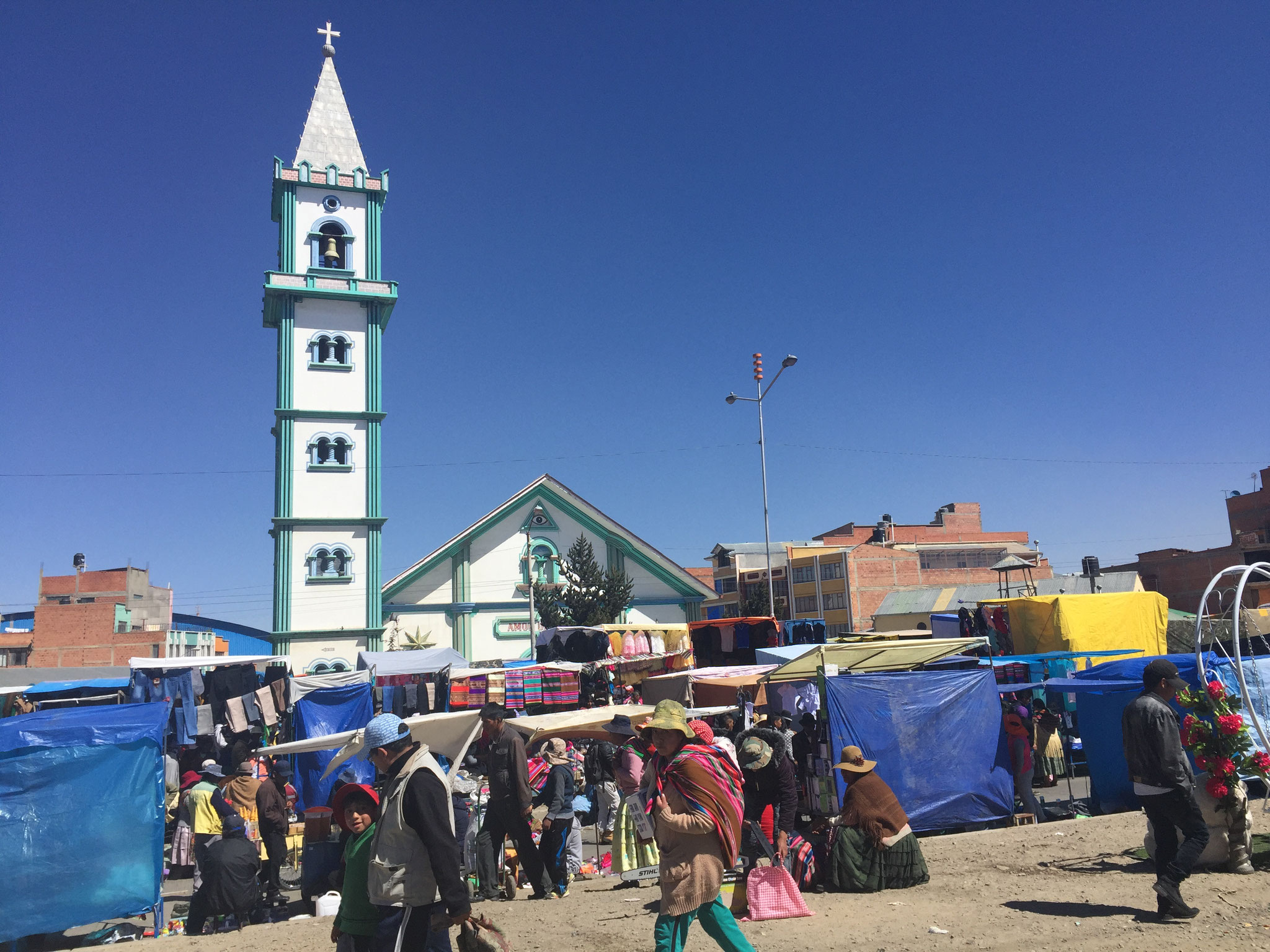 60 solcher Kirchen auf El Alto