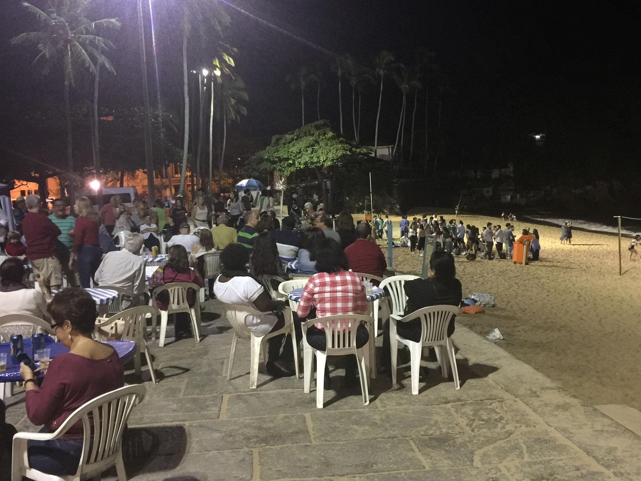 Musik nachts an der Beach