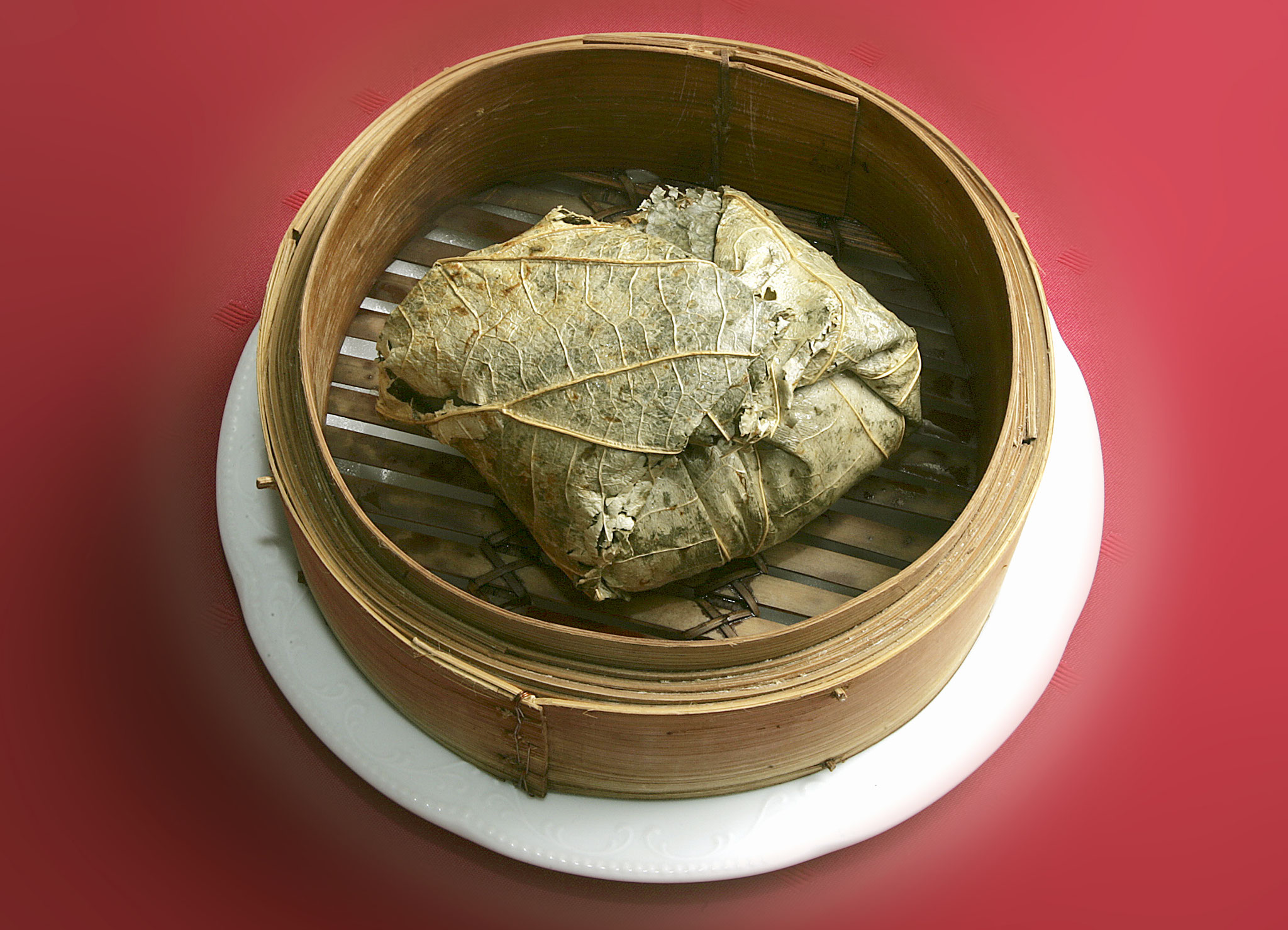 Glutinous Rice with Chicken wrapped in Lotus Leaf