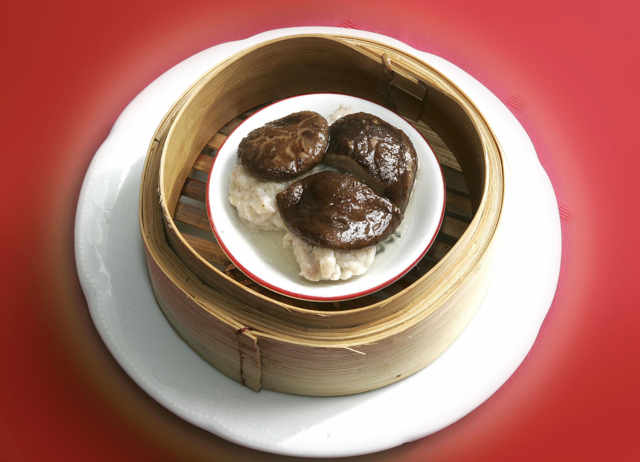 Shitake Shao-Mai (Gedämpfte Schweinefleischbällchen mit Winterpilzen)