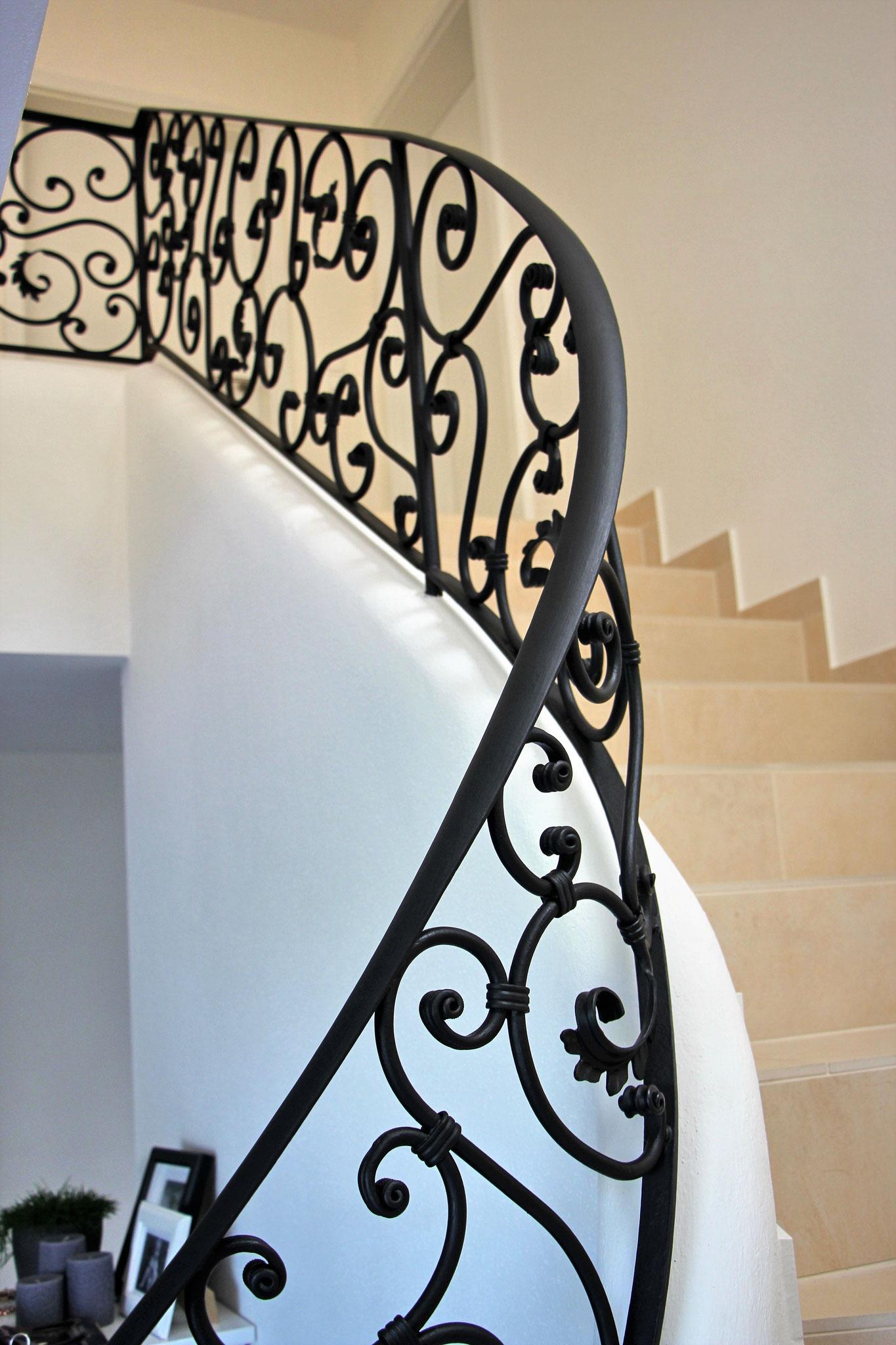 Treppengeländer in verspieltem Barock