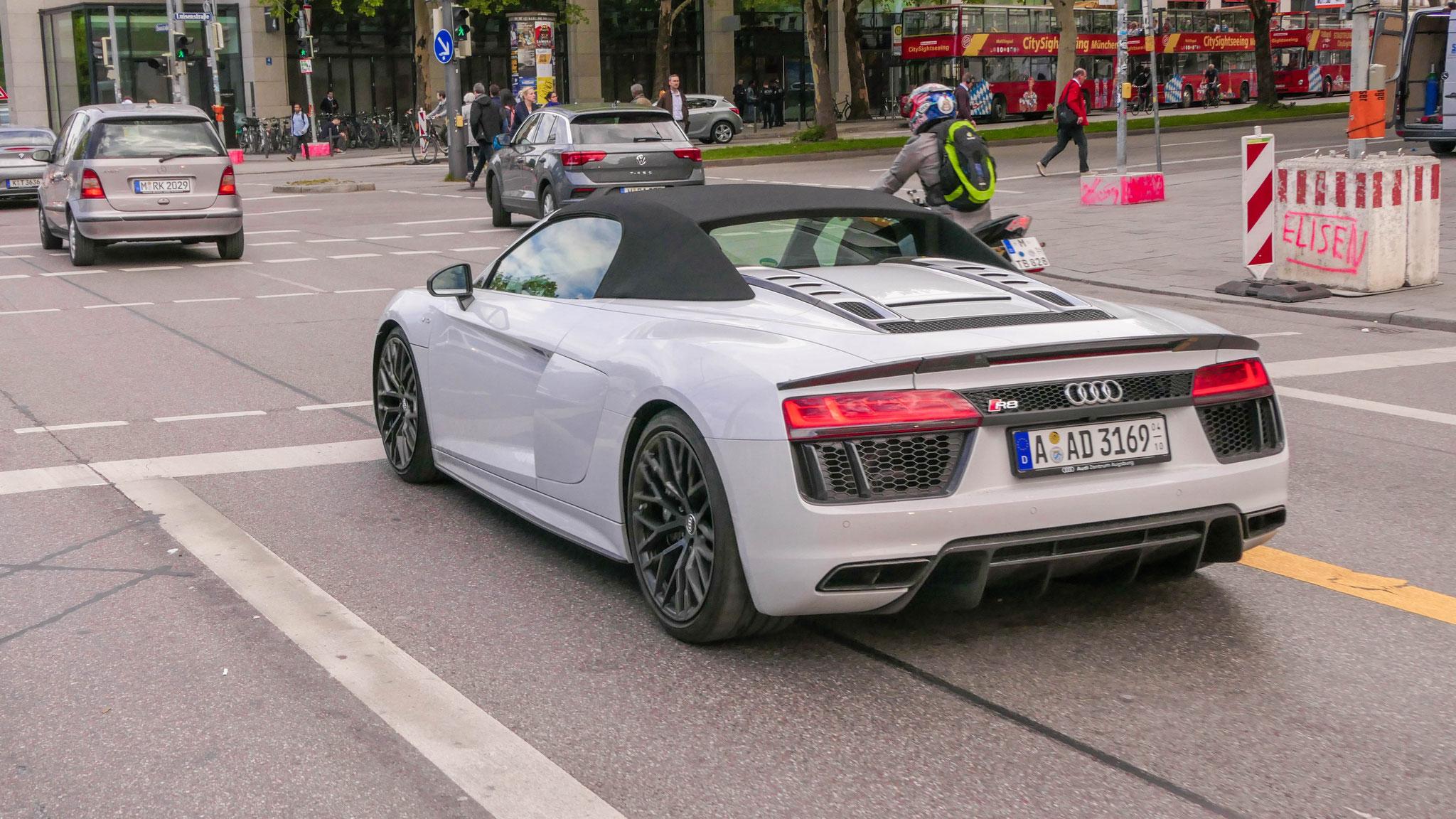Audi R8 V10 Spyder - A-AD-3169