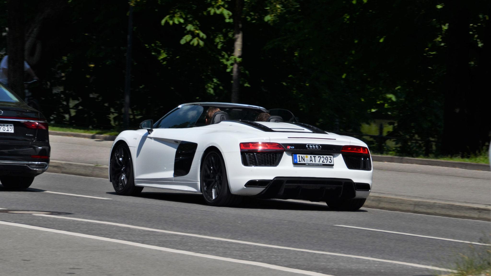 Audi R8 V10 Spyder - IN-AT-7293
