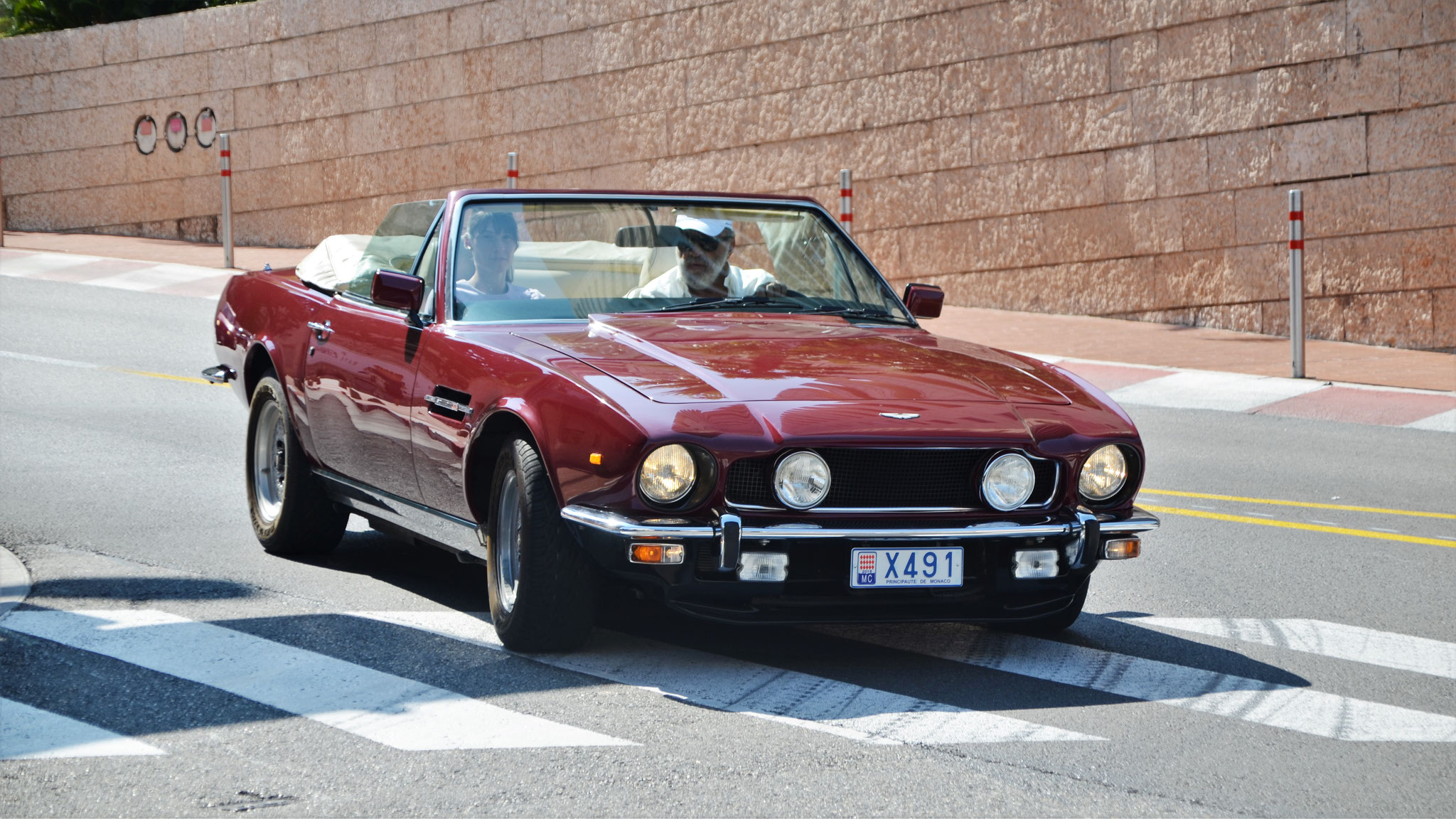 Aston Martin V8 Vantage Volante 1983 - X491 (MC)