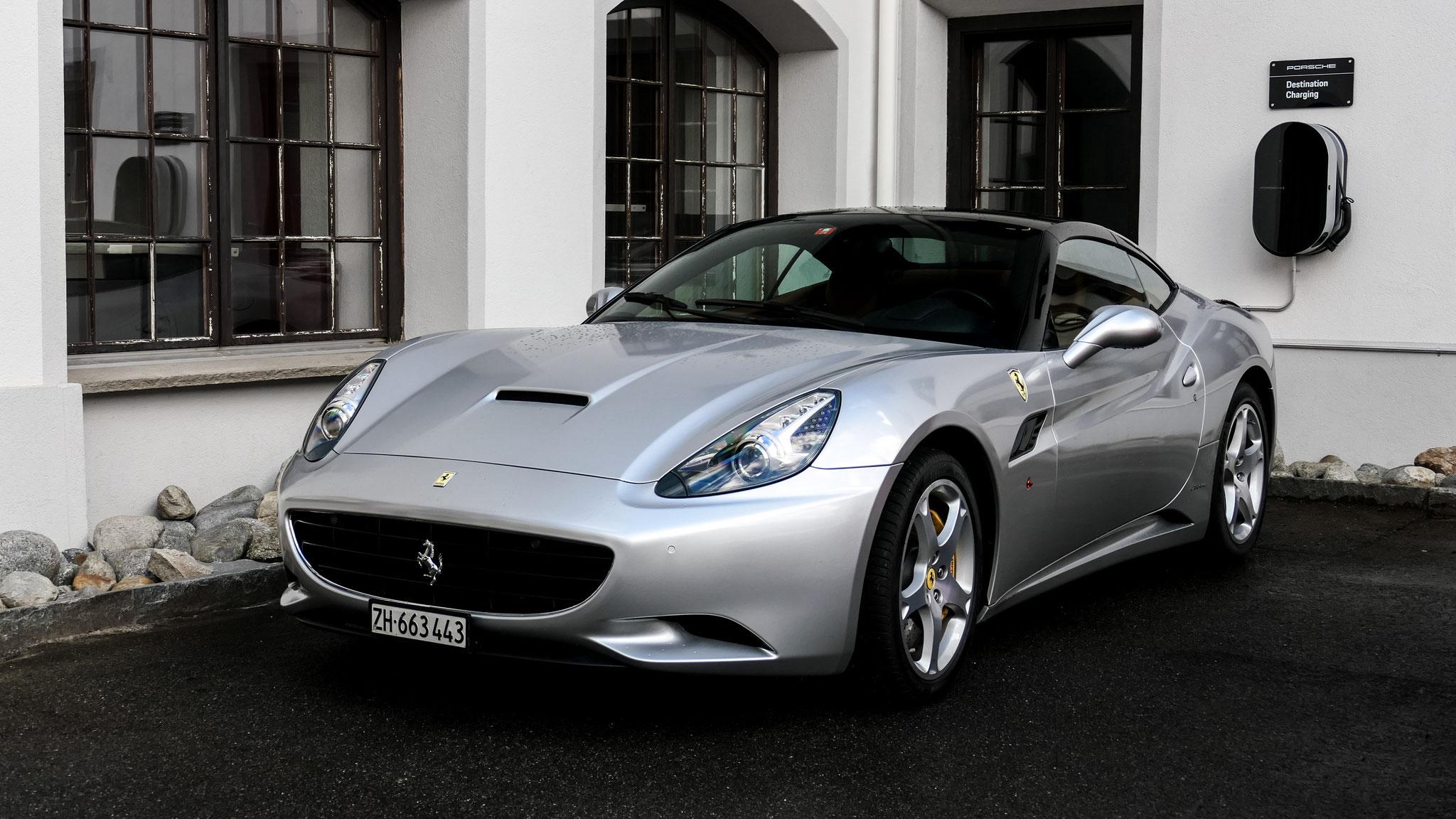 Ferrari California - ZH-663443 (CH)