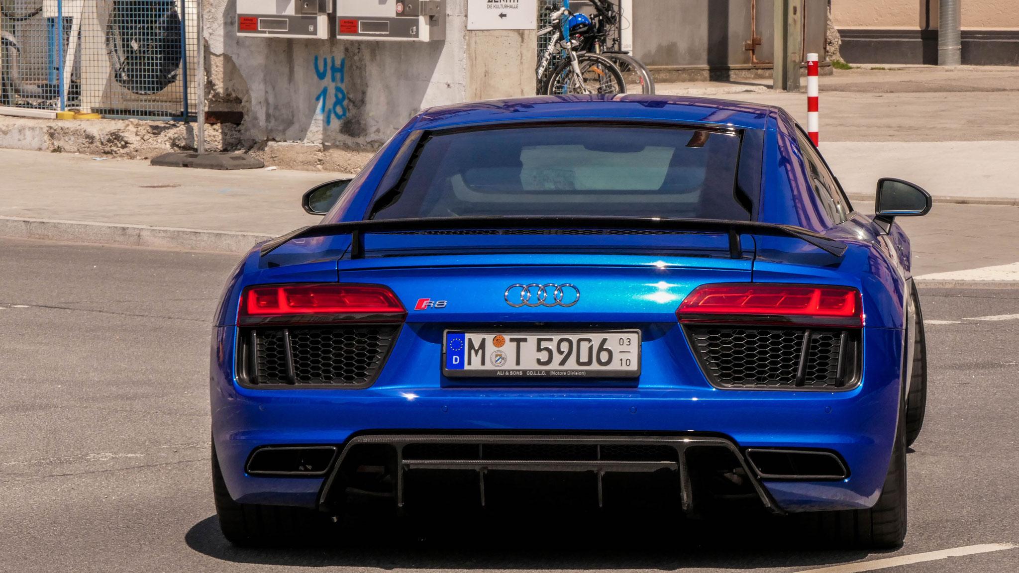 Audi R8 V10 - M-T-5906