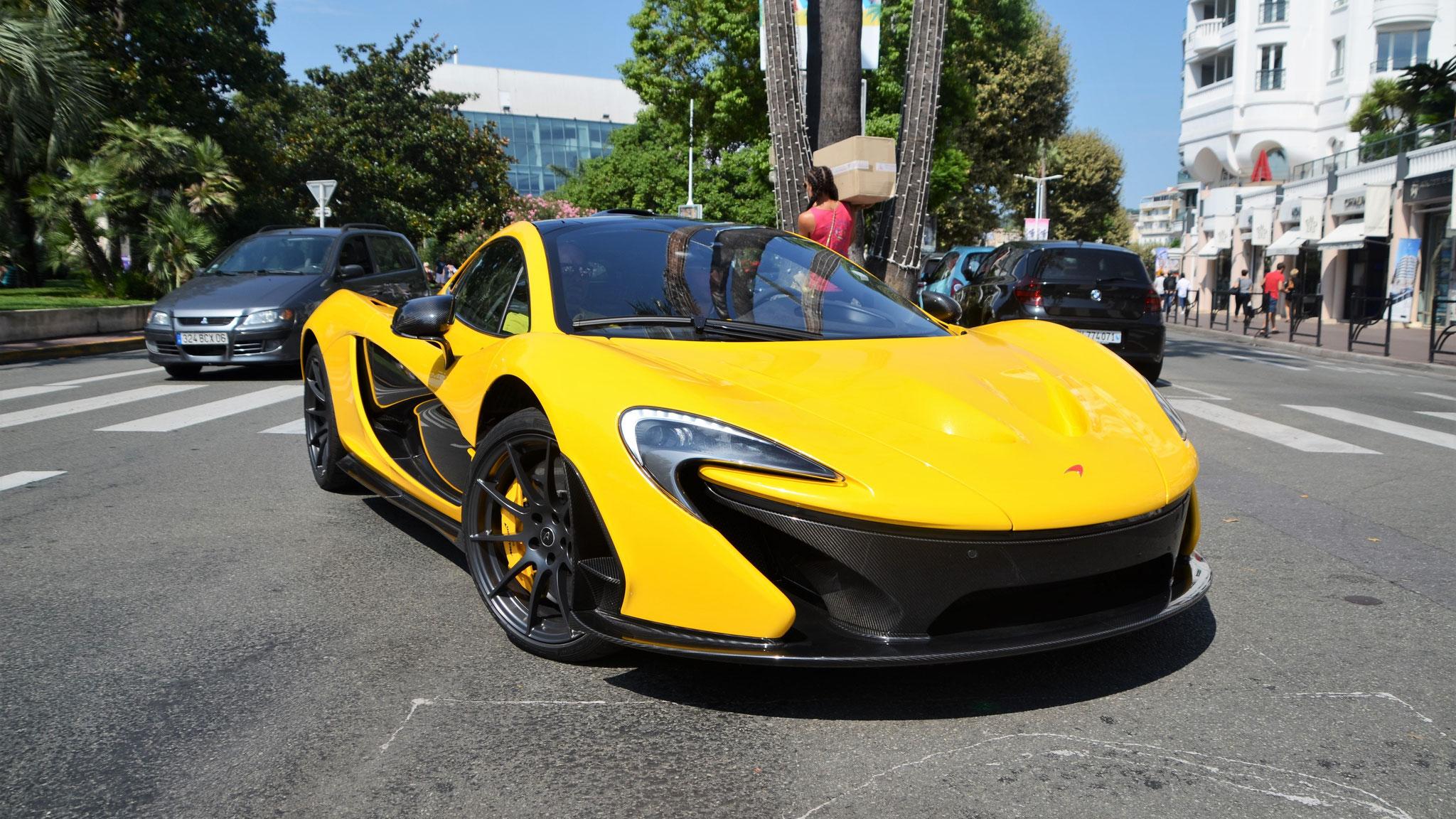 McLaren P1 - 666669 (Arab)